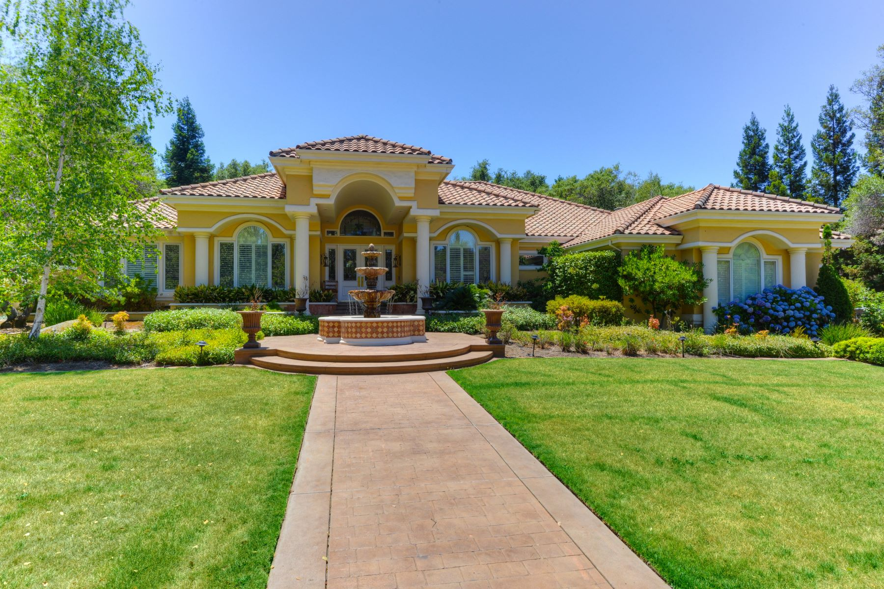 Single Family Homes 为 销售 在 9645 Los Lagos, Granite Bay, CA 95746 9645 Los Lagos Granite Bay, 加利福尼亚州 95746 美国