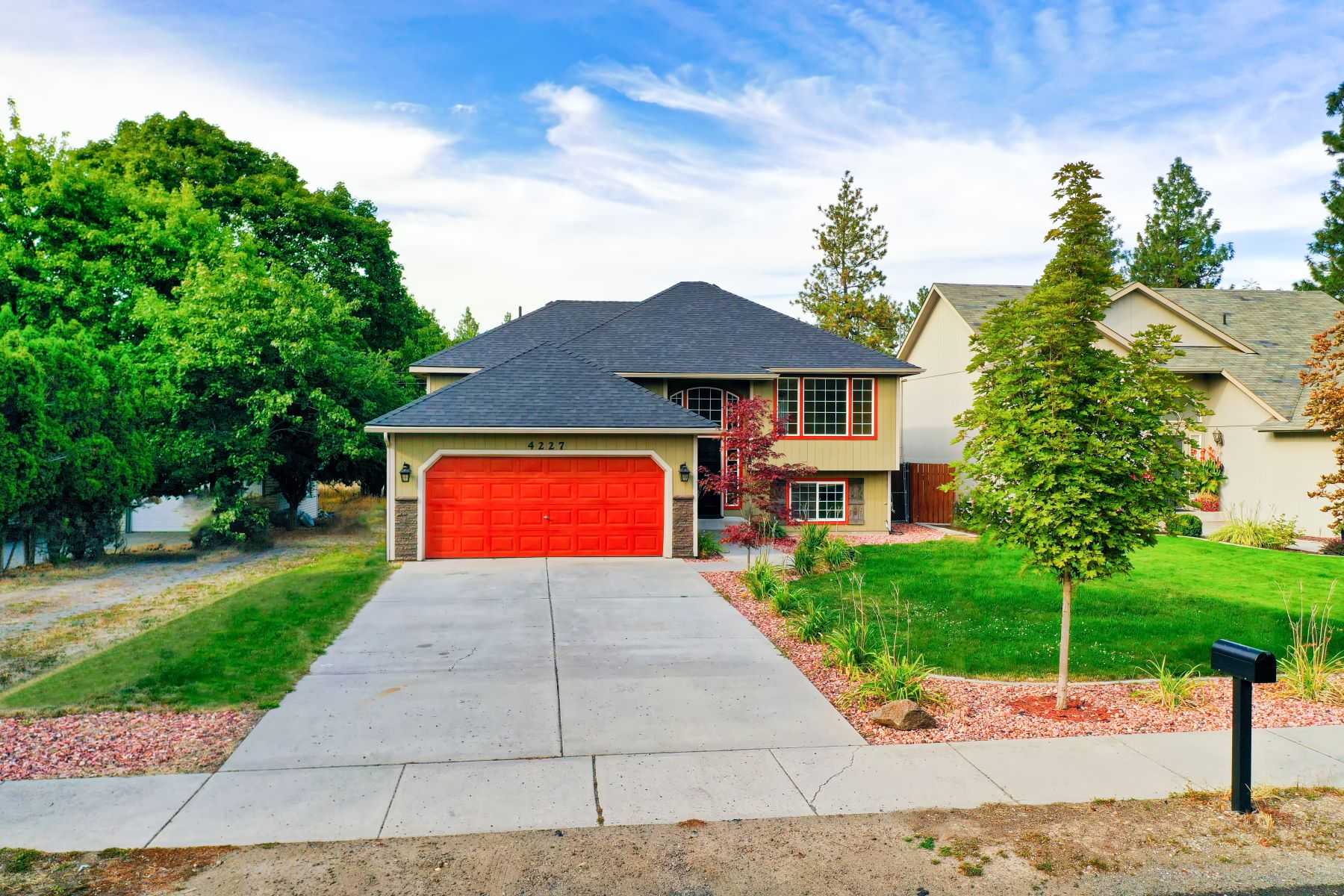 Single Family Homes for Sale at Impeccable Updated Home 4227 E 22nd Ave Spokane, Washington 99223 United States