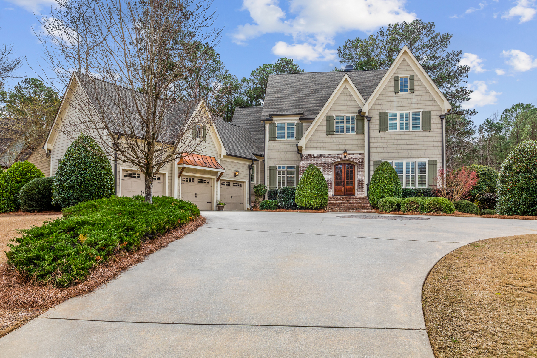 Single Family Homes for Sale at Beautiful Home in Newhaven 205 Newhaven Drive Fayetteville, Georgia 30215 United States