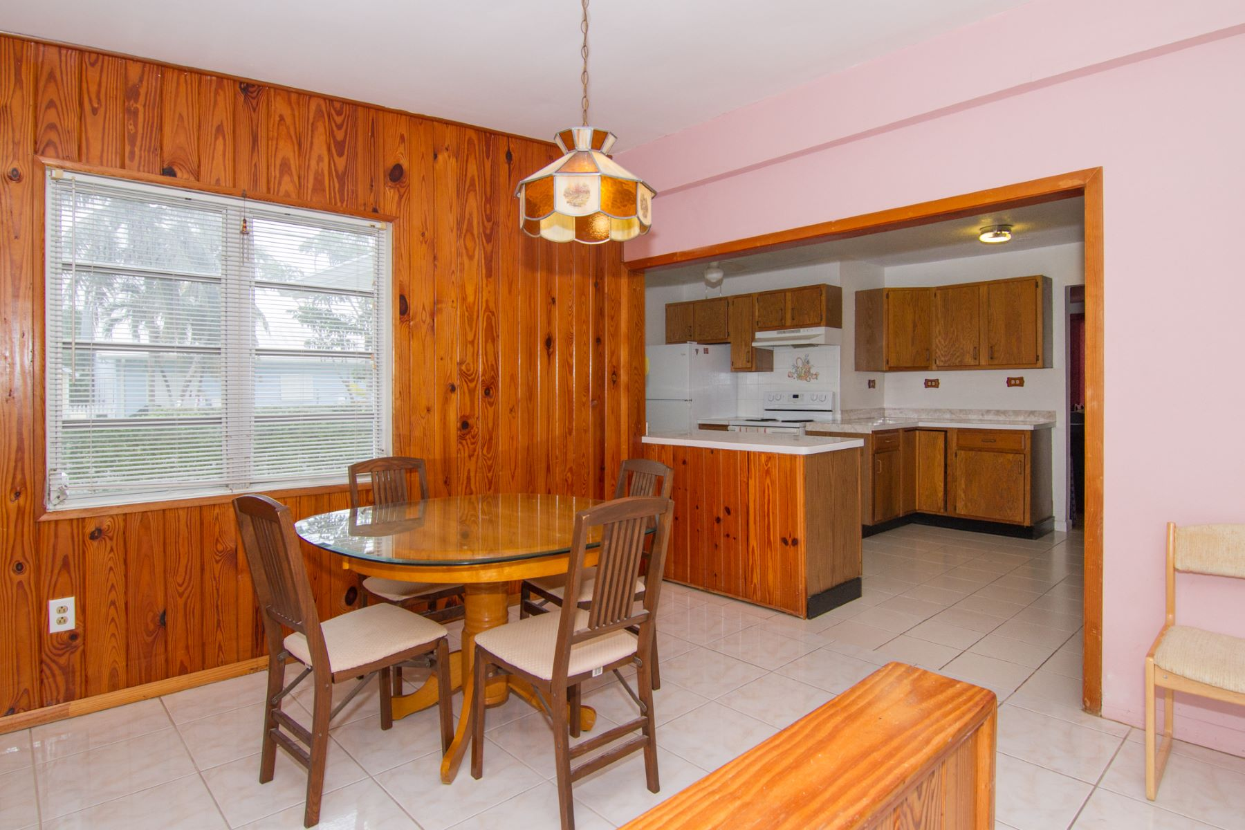 Additional photo for property listing at Andrew Drive Home in Snug Harbour Snug Harbour, Gran Caimán Islas Caimán