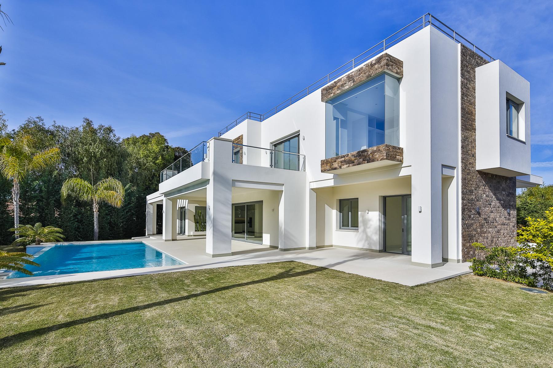 Single Family Homes for Sale at Beachside brand new villa Guadalmina area Guadalmina, Malaga Spain