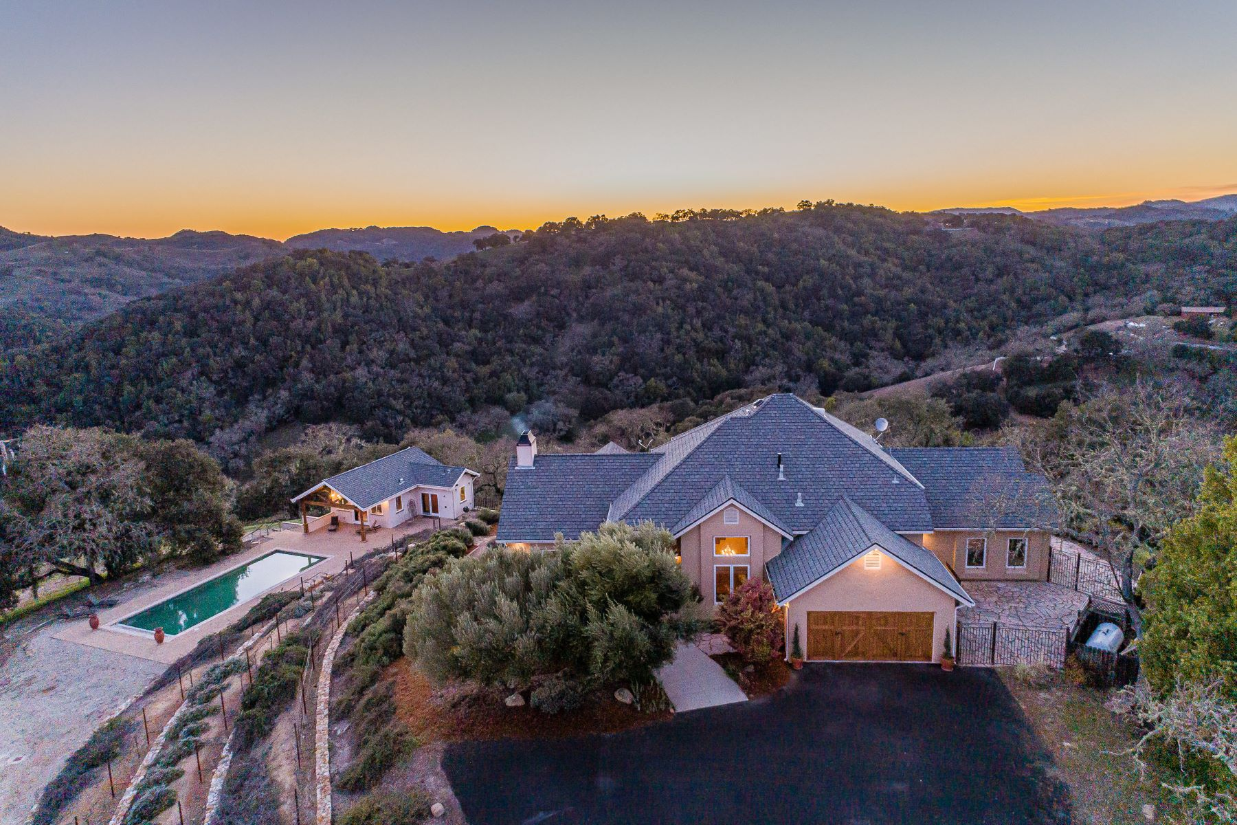 Single Family Homes for Sale at Rolling Hills & Quiet Sunsets 4678 Salt Creek Road Templeton, California 93465 United States