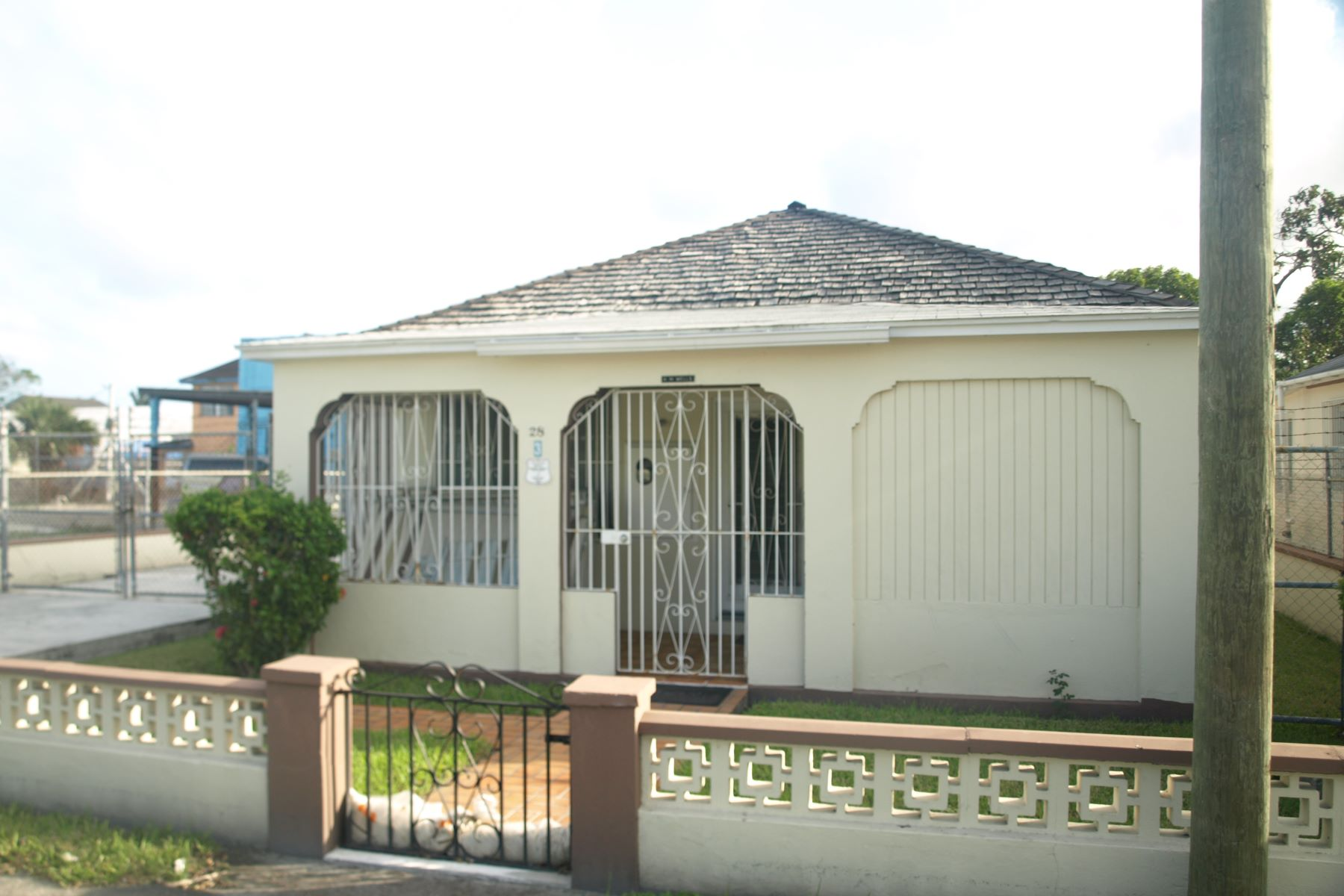 Single Family Home for Sale at #28 Harley Street, Shirley Heights Palmdale, Nassau And Paradise Island Bahamas
