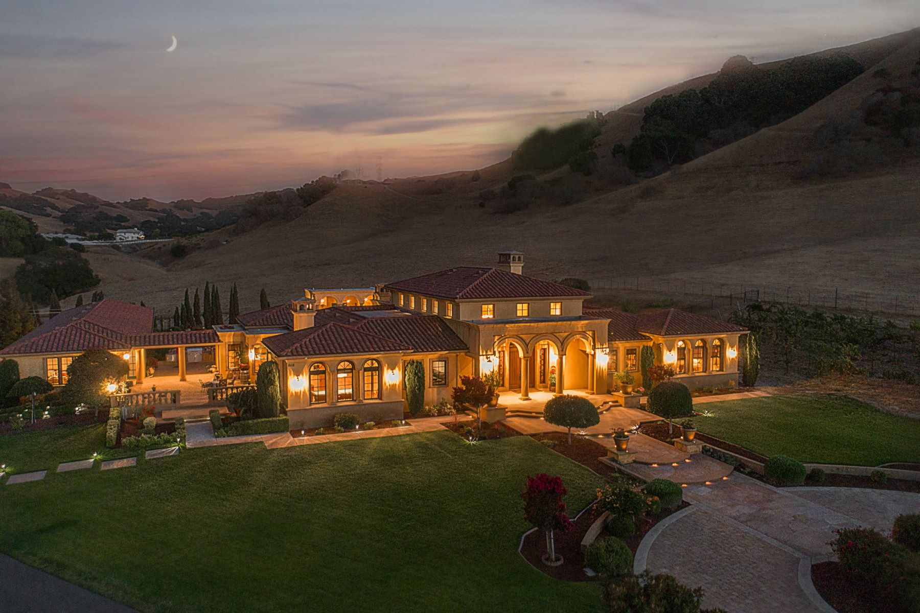 Single Family Home for Sale at Stunning Tuscan Vineyard Estate on 96 acres 5115 Sheridan Road Sunol, California 94586 United States