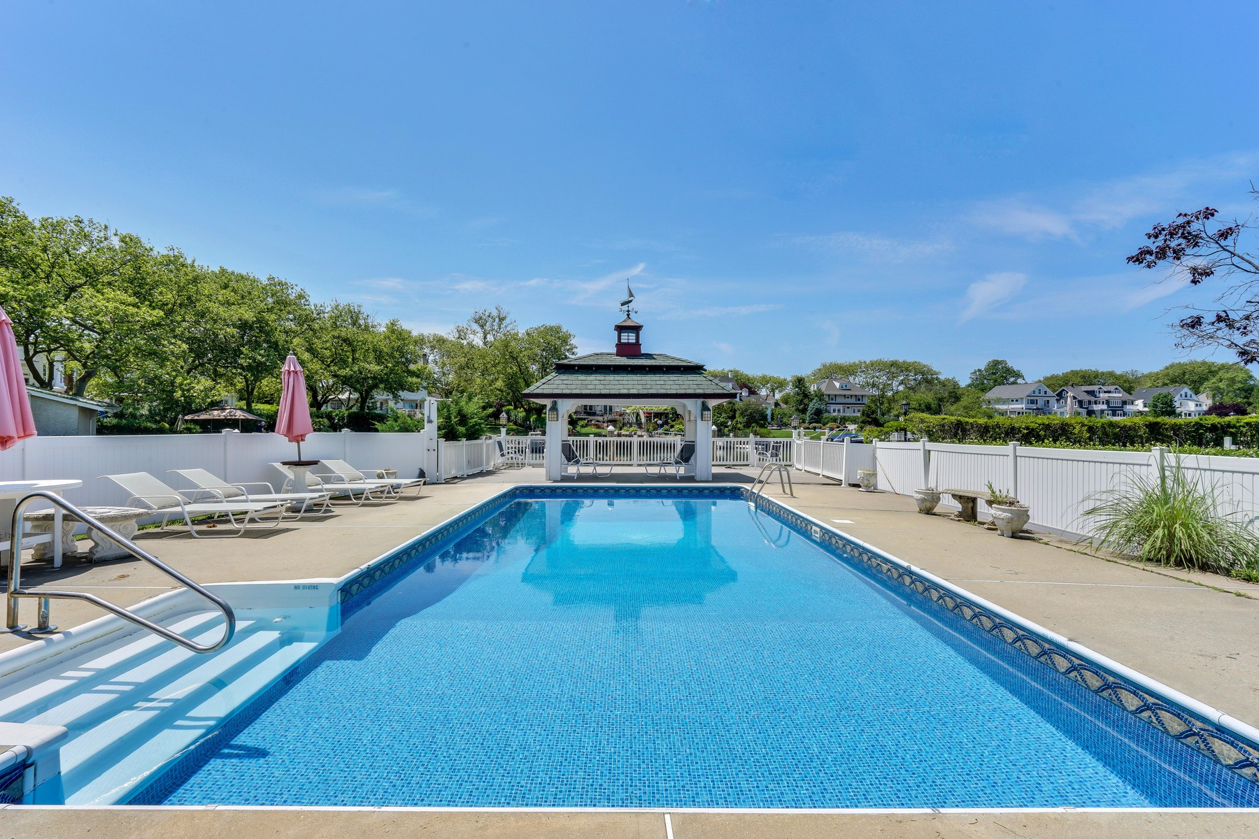 Additional photo for property listing at Waterfront Estate 40 Inlet Terrace Belmar, New Jersey 07719 United States