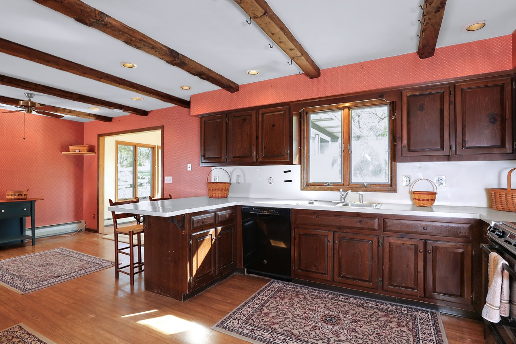 Additional photo for property listing at Ranch Home on Lambertville Hill 9 Northfield Court, Lambertville, New Jersey 08530 United States