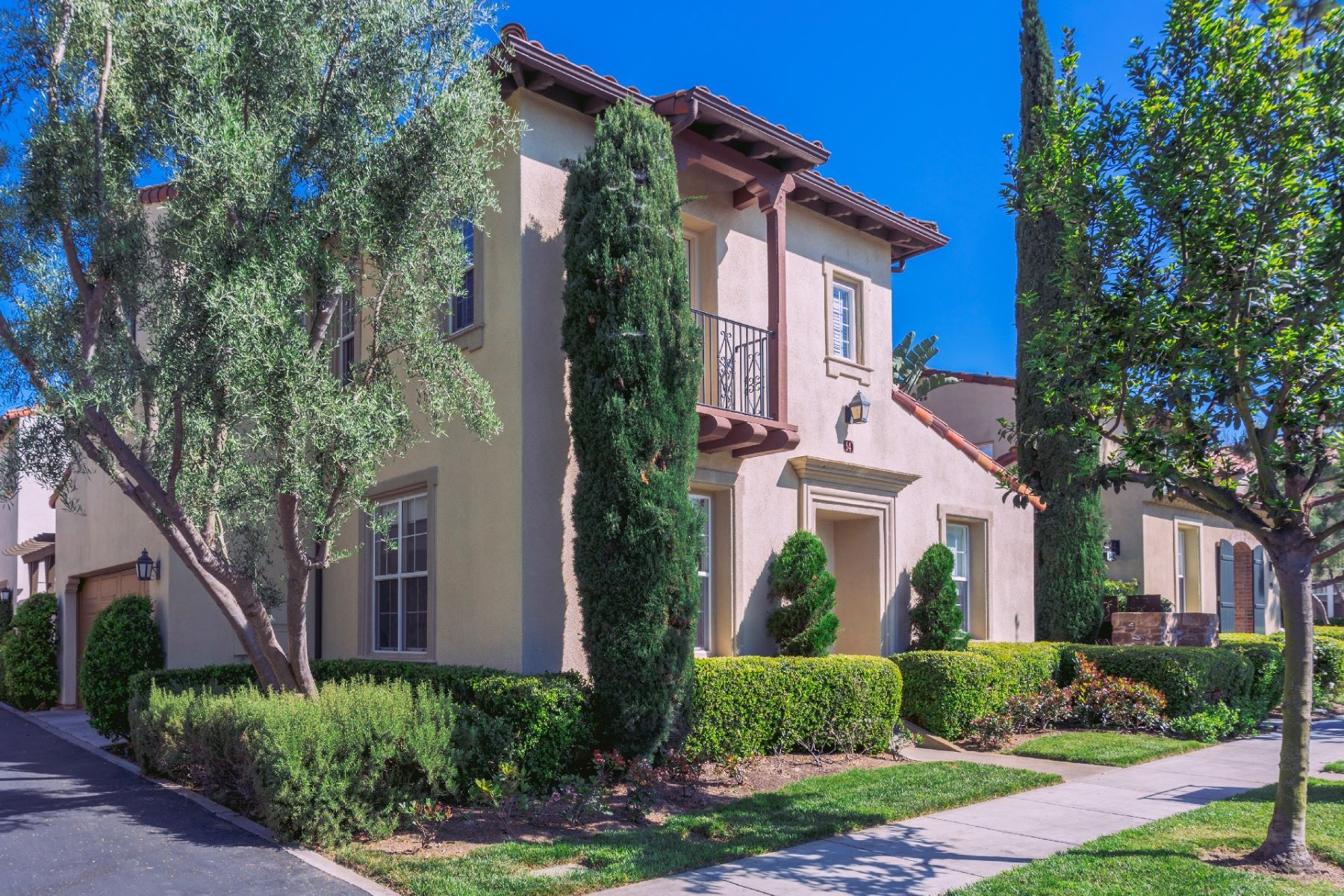 Condominiums for Active at 54 Bower Tree East Irvine, California 92603 United States