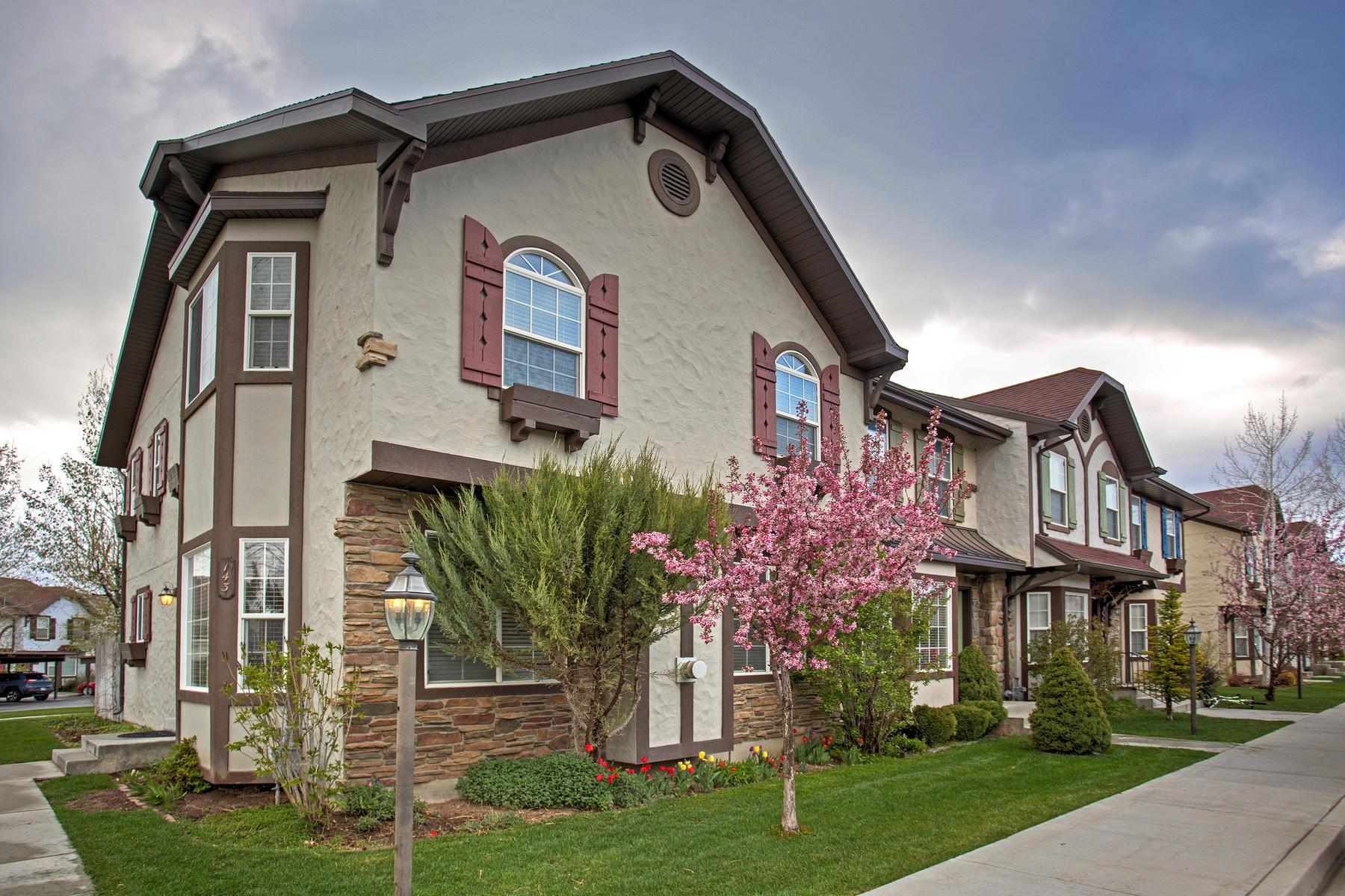 Casa unifamiliar adosada (Townhouse) por un Venta en Beautiful Townhome in Midway 143 S Geneva Dr Midway, Utah, 84049 Estados Unidos
