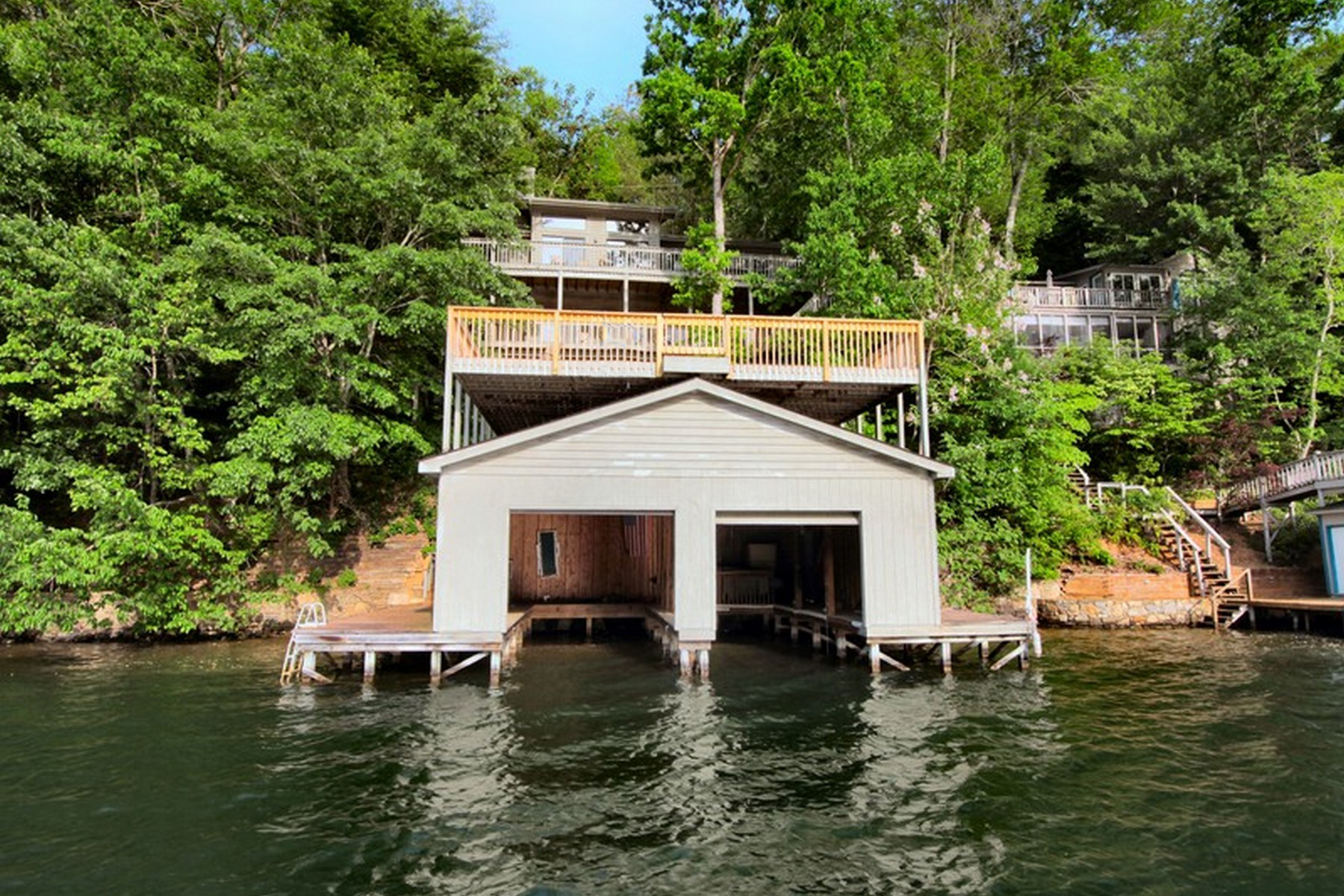 Single Family Homes for Active at 166 Lakeridge Road, Lake Lure, NC 166 Lake Ridge Drive Lake Lure, North Carolina 28746 United States