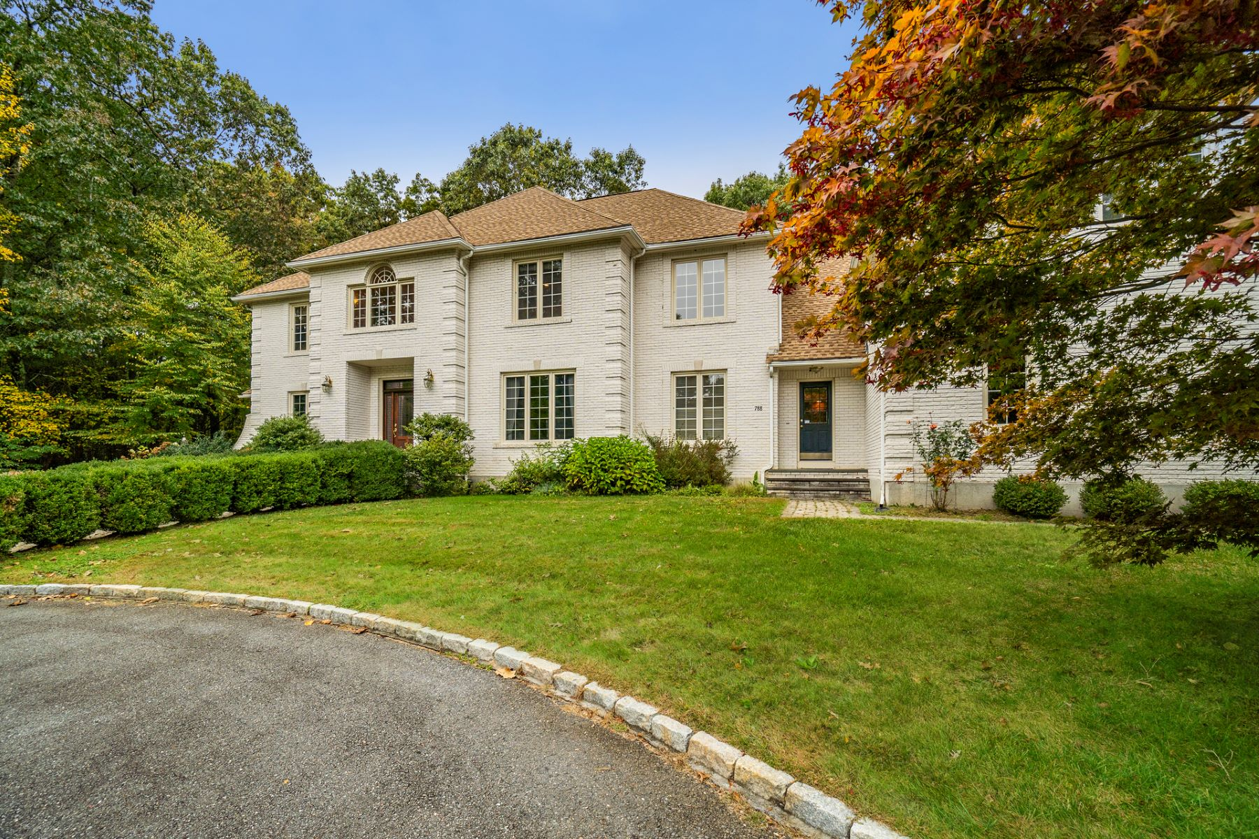 Single Family Homes por un Venta en 788 Strawberry Hill Road Concord, Massachusetts 01742 Estados Unidos