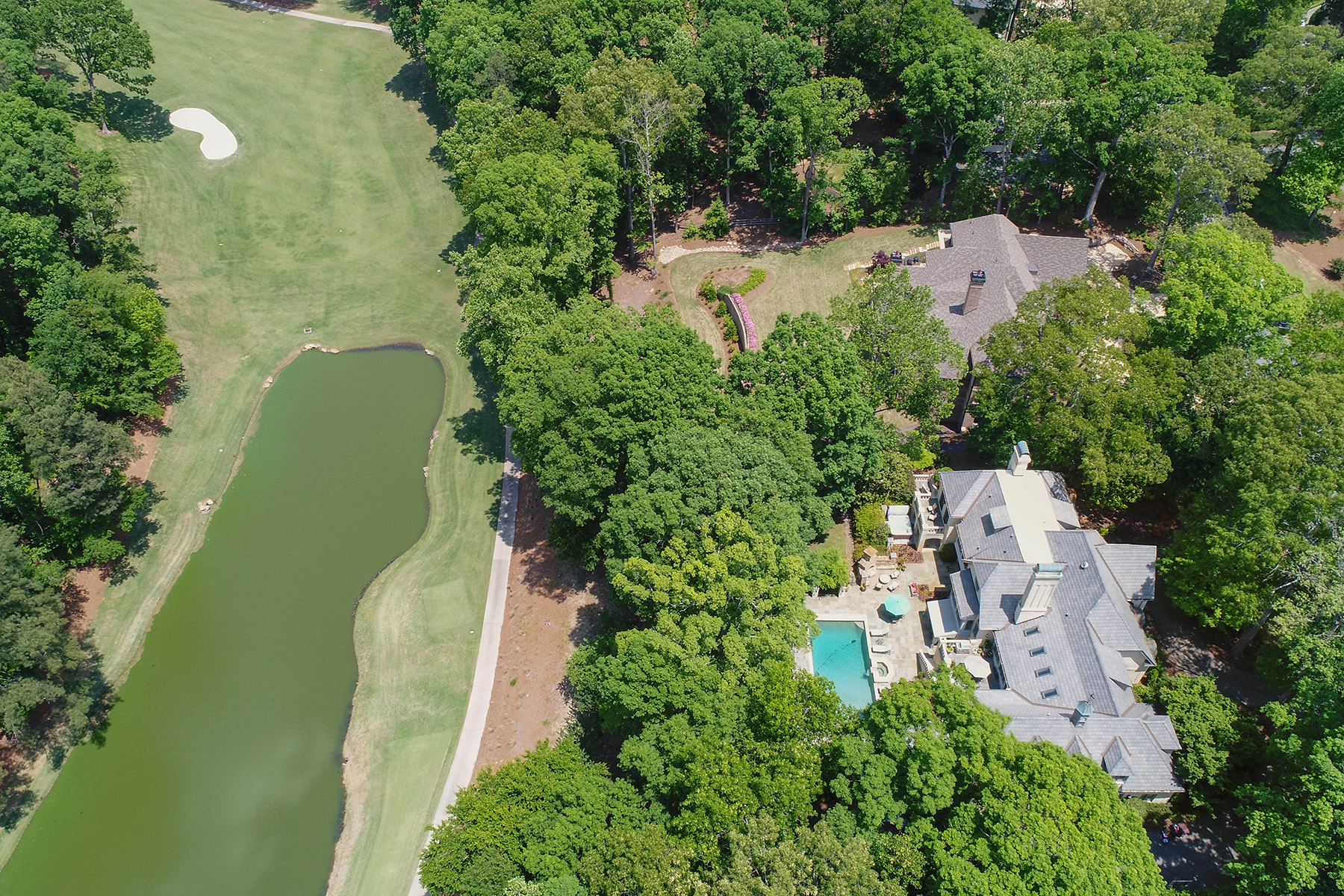 Частный односемейный дом для того Продажа на Grand European-inspired Estate offering Stunning Golf Course Views 660 Atlanta Country Club Drive SE Marietta, Джорджия 30067 Соединенные Штаты