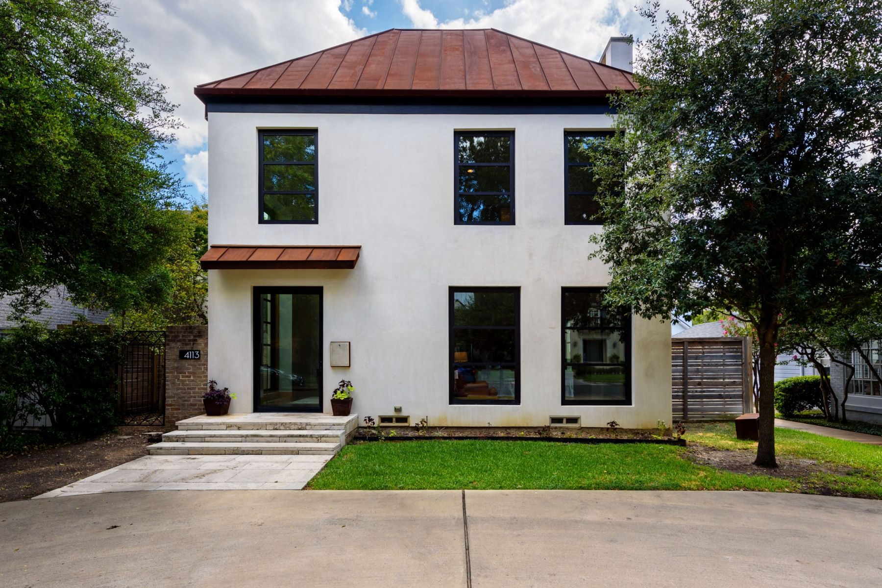 Single Family Homes for Active at Contemporary Home 4113 San Carlos Street University Park, Texas 75205 United States