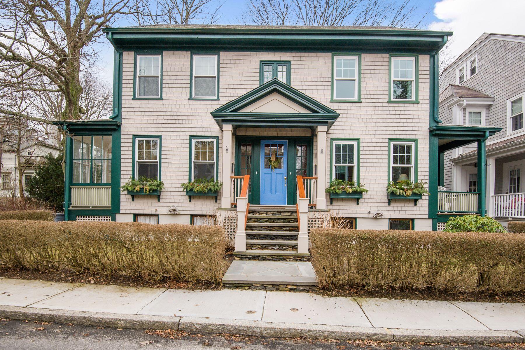 独户住宅 为 销售 在 Marin House 5 Marin Street 1 纽波特, 罗得岛 02840 美国