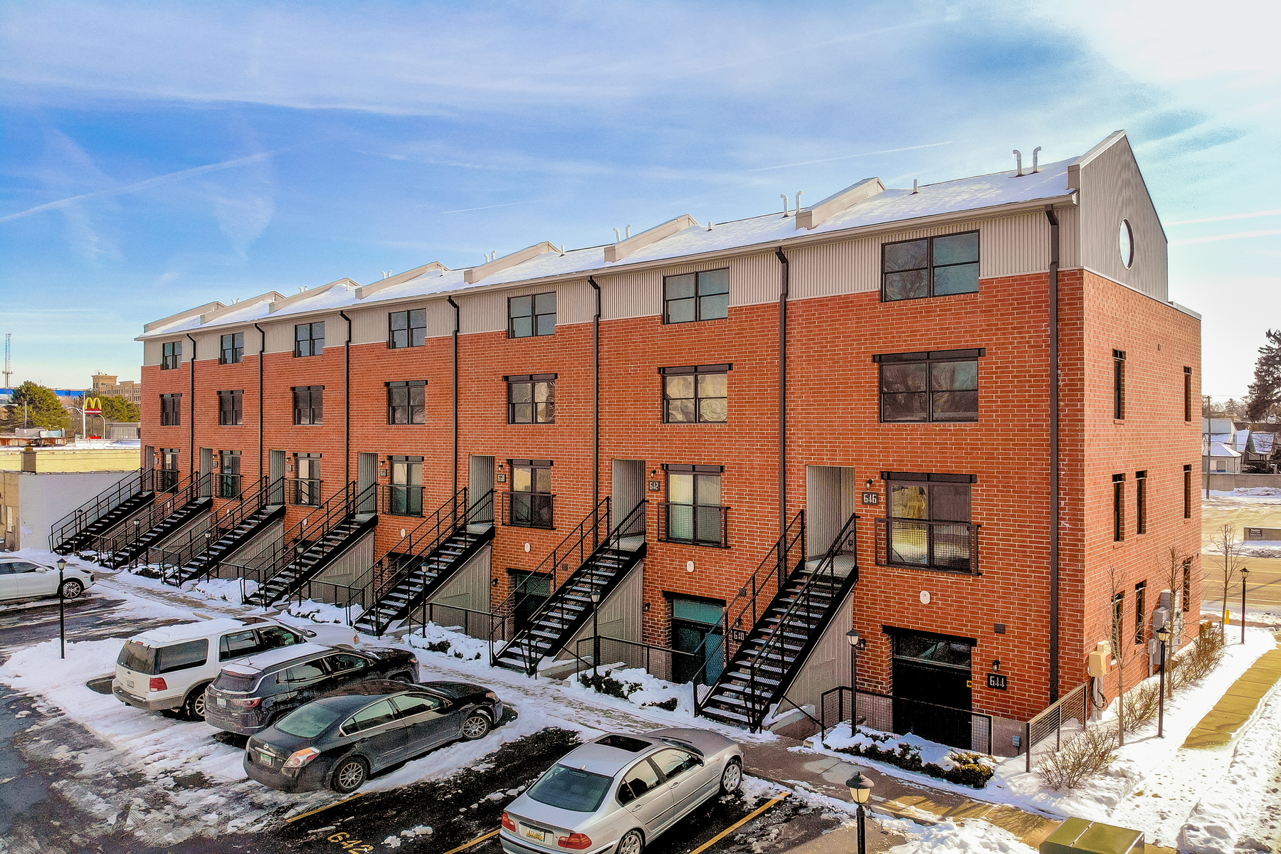 Condominiums for Sale at Royal Oak 634 W Eleven Mile Road Unit 21 Royal Oak, Michigan 48067 United States