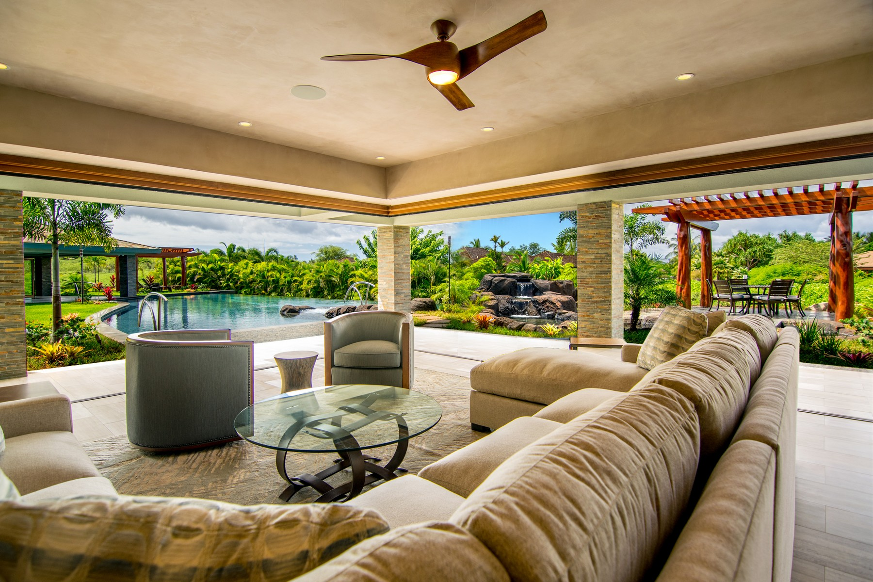 Casa Unifamiliar por un Venta en Perfection 18 Ualei Place Makena, Hawaii, 96753 Estados Unidos