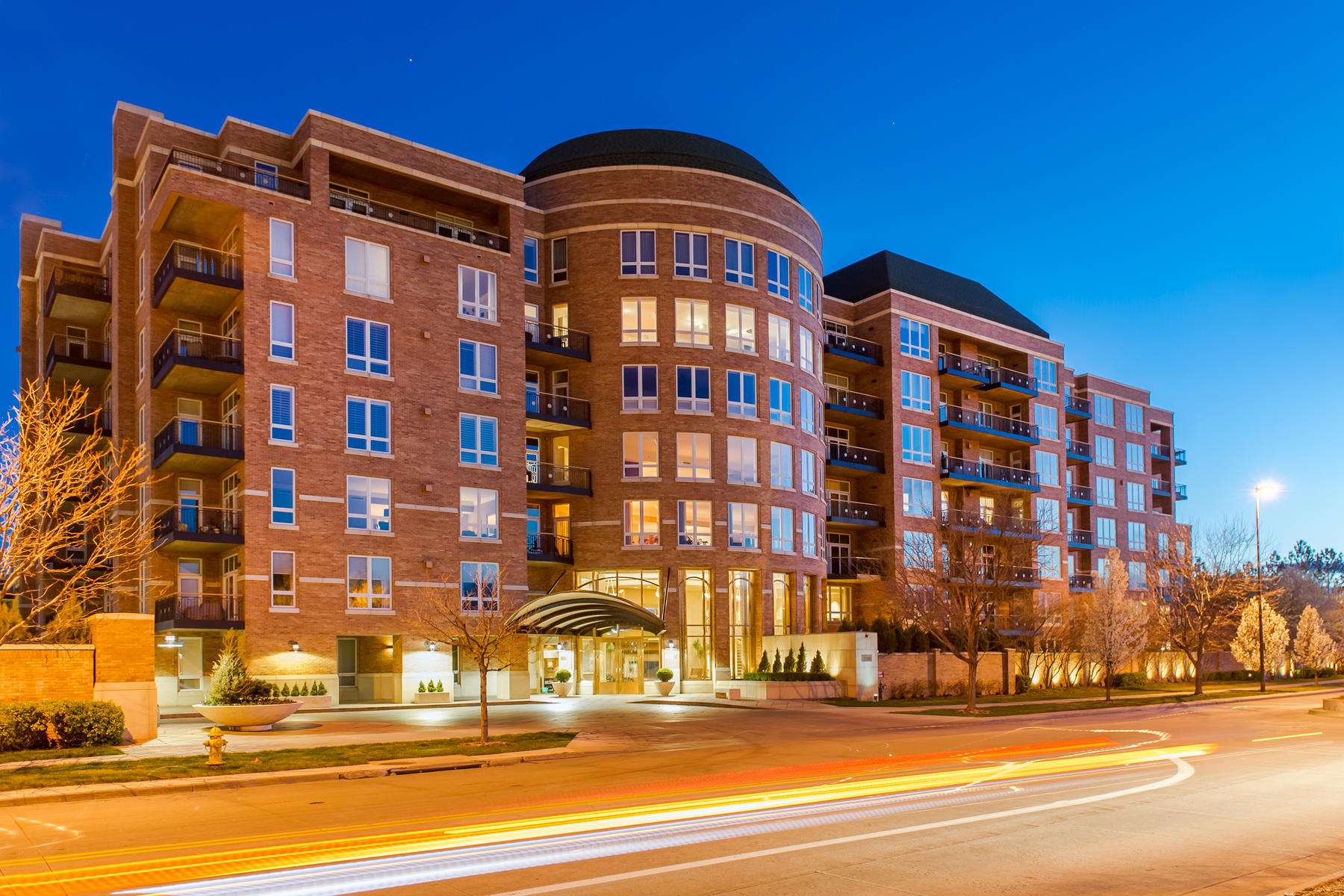 Condominiums for Sale at 2400 E Cherry Creek South Drive Unit #701 Denver, Colorado 80209 United States
