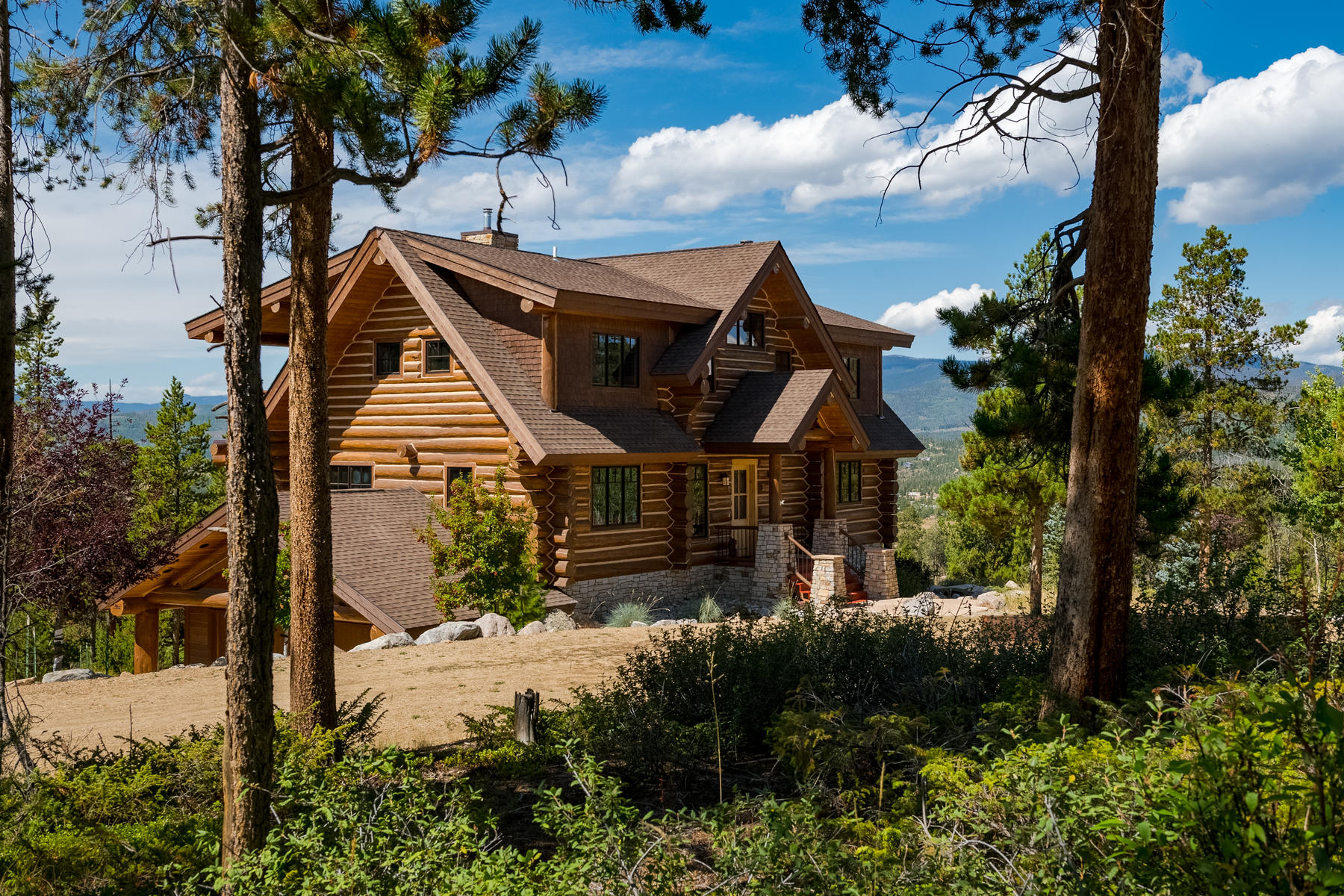 Single Family Homes for Sale at Unsurpassed luxury & unobstructed mountain views are on full display! 119 County Road 6422 Grand Lake, Colorado 80447 United States