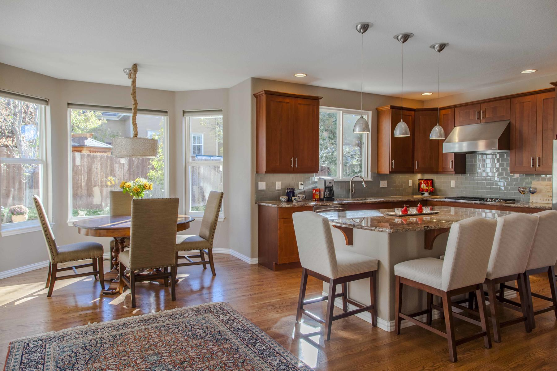 Additional photo for property listing at Immaculate Two-Story Home In Fox Hollow Village 2980 S Newcombe Way Lakewood, Colorado 80227 United States
