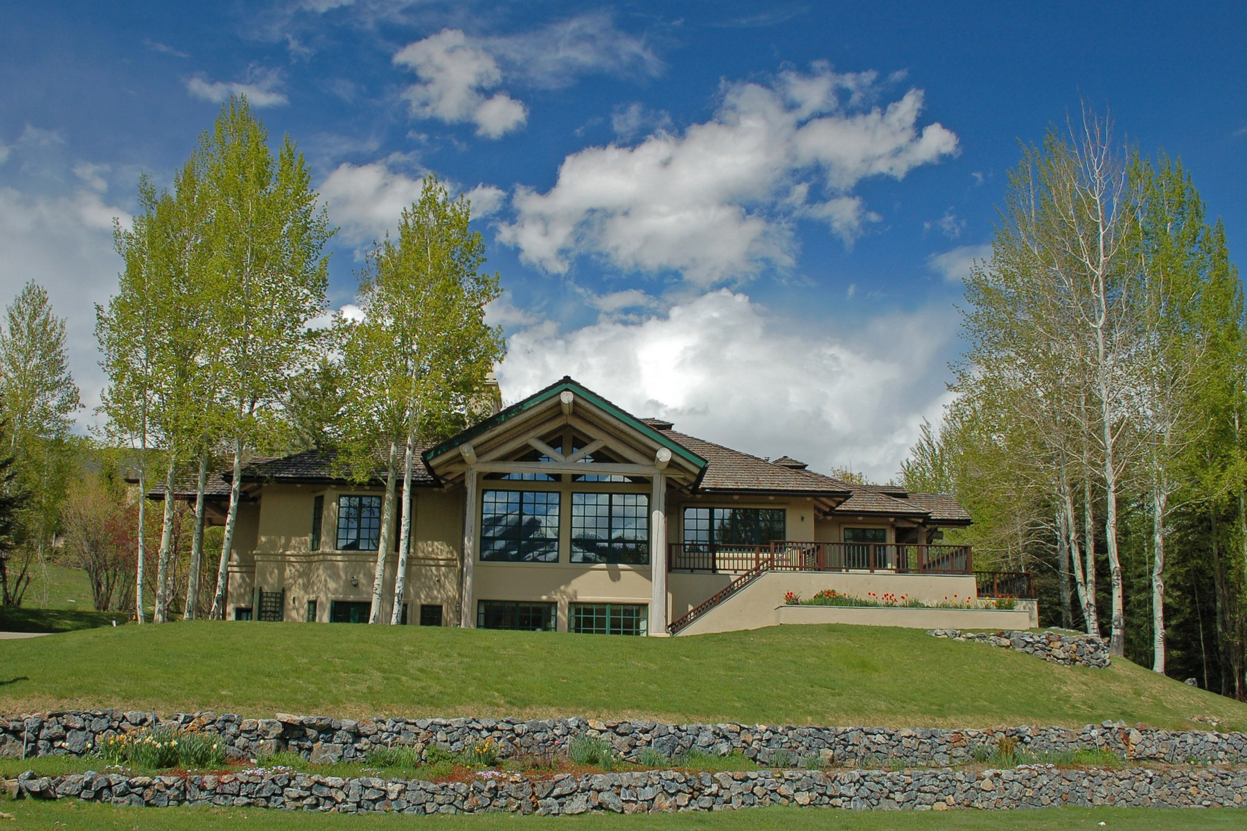 Maison unifamiliale pour l Vente à Bigwood Views 335 N. Bigwood Dr Ketchum, Idaho, 83340 États-Unis