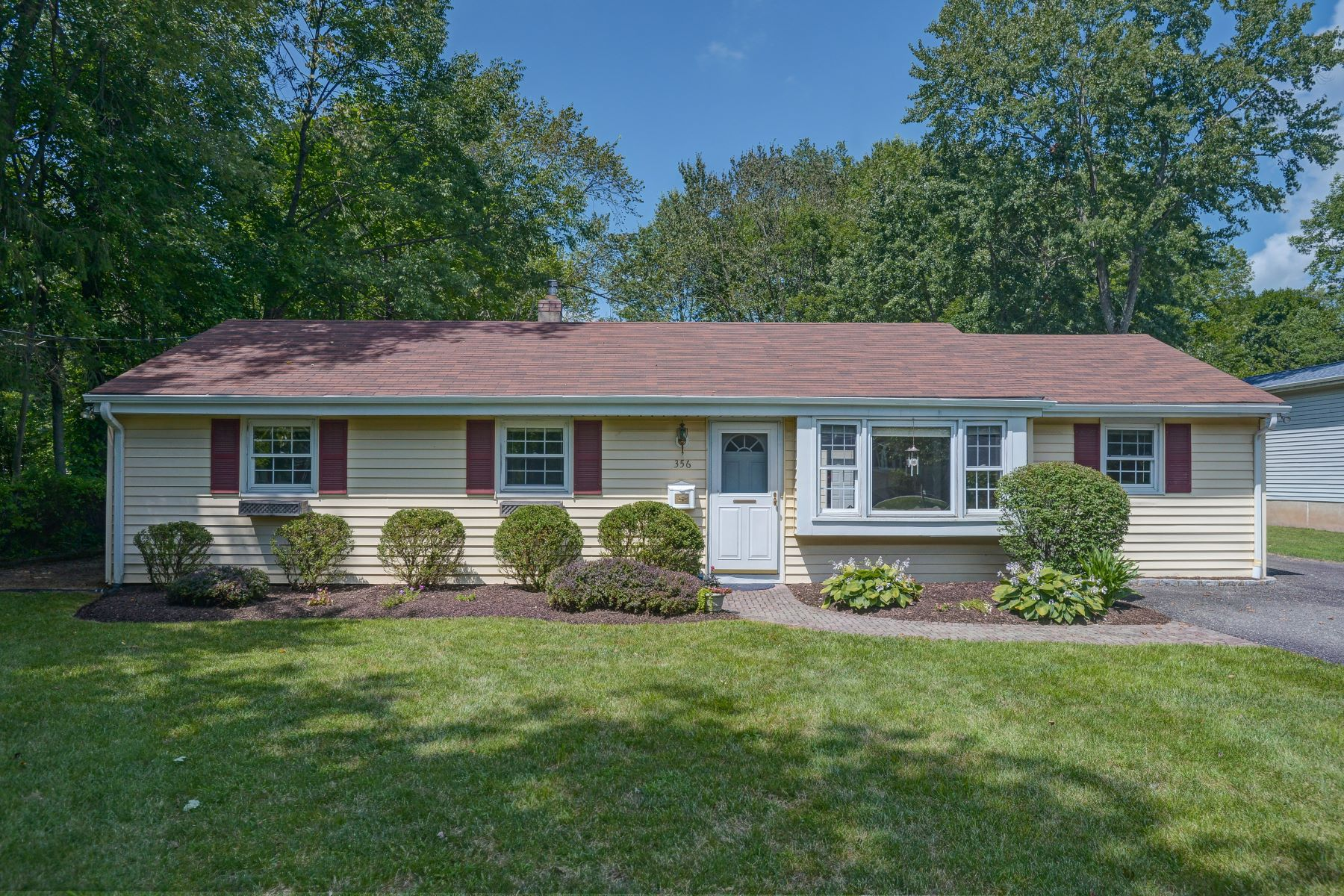 Single Family Homes for Sale at One Floor Living! 356 Mercer Street, Long Hill Township, New Jersey 07980 United States