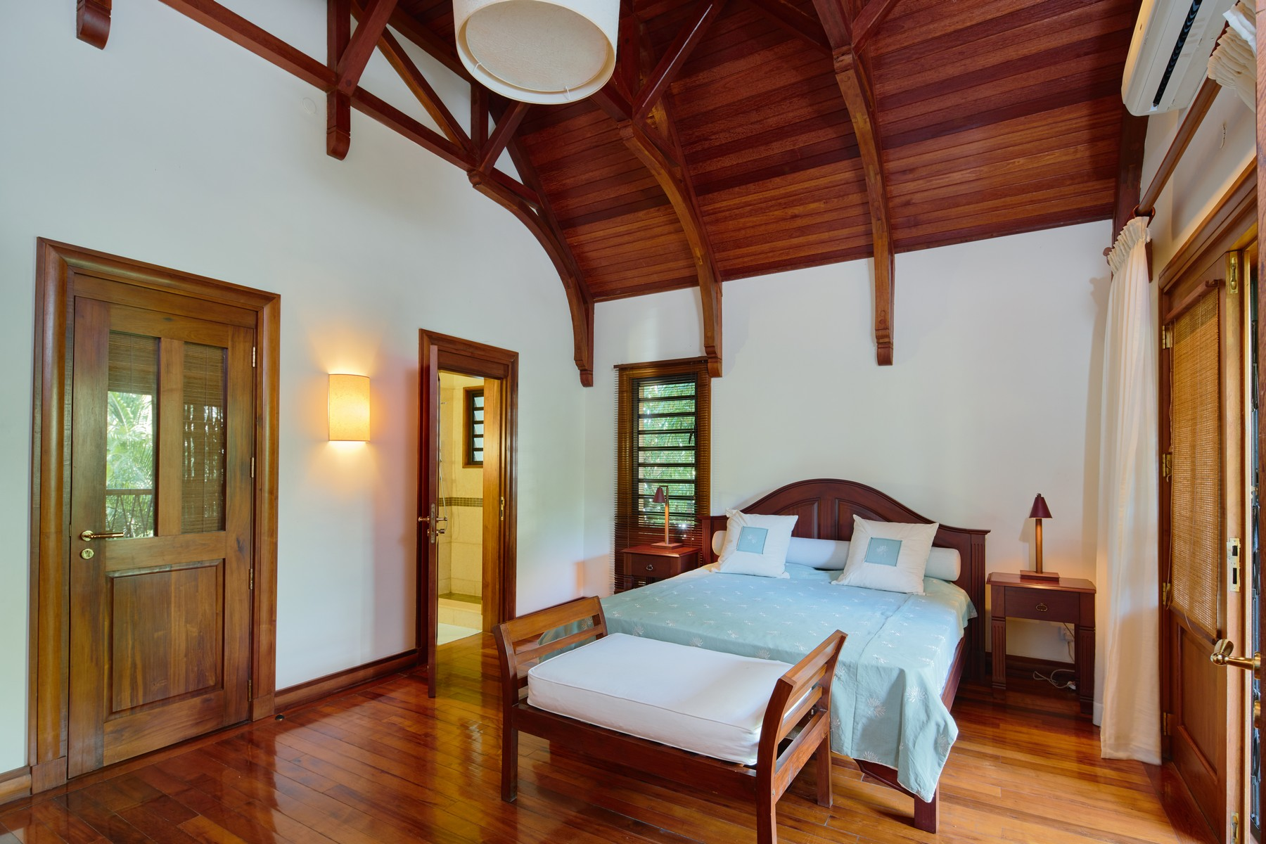 Additional photo for property listing at Luxury Family Waterfront Villa in Grand Baie Grand Baie, Riviere Du Rempart Mauritius
