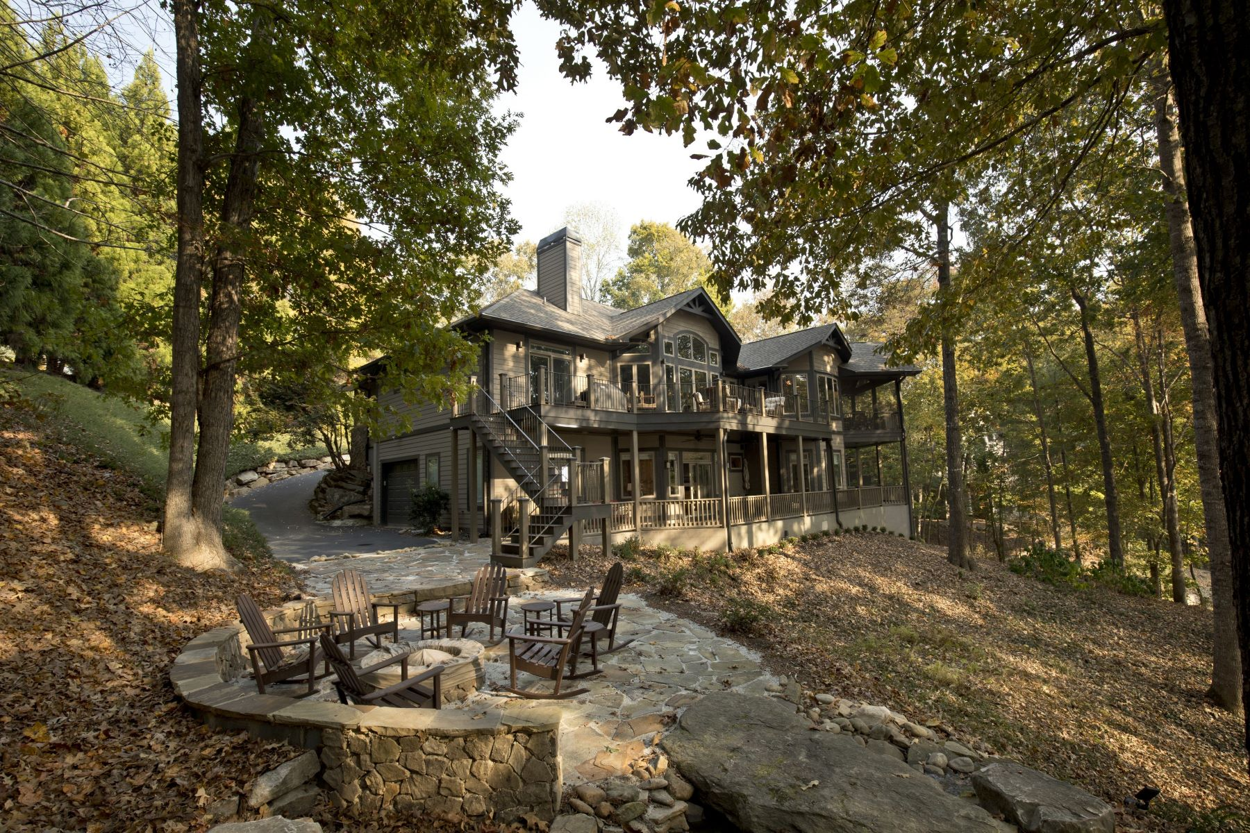 Single Family Home for Sale at Better Than New! Redesigned Lakefront Home 602 Wind Flower Drive The Cliffs At Keowee Vineyards, Sunset, South Carolina, 29685 United States