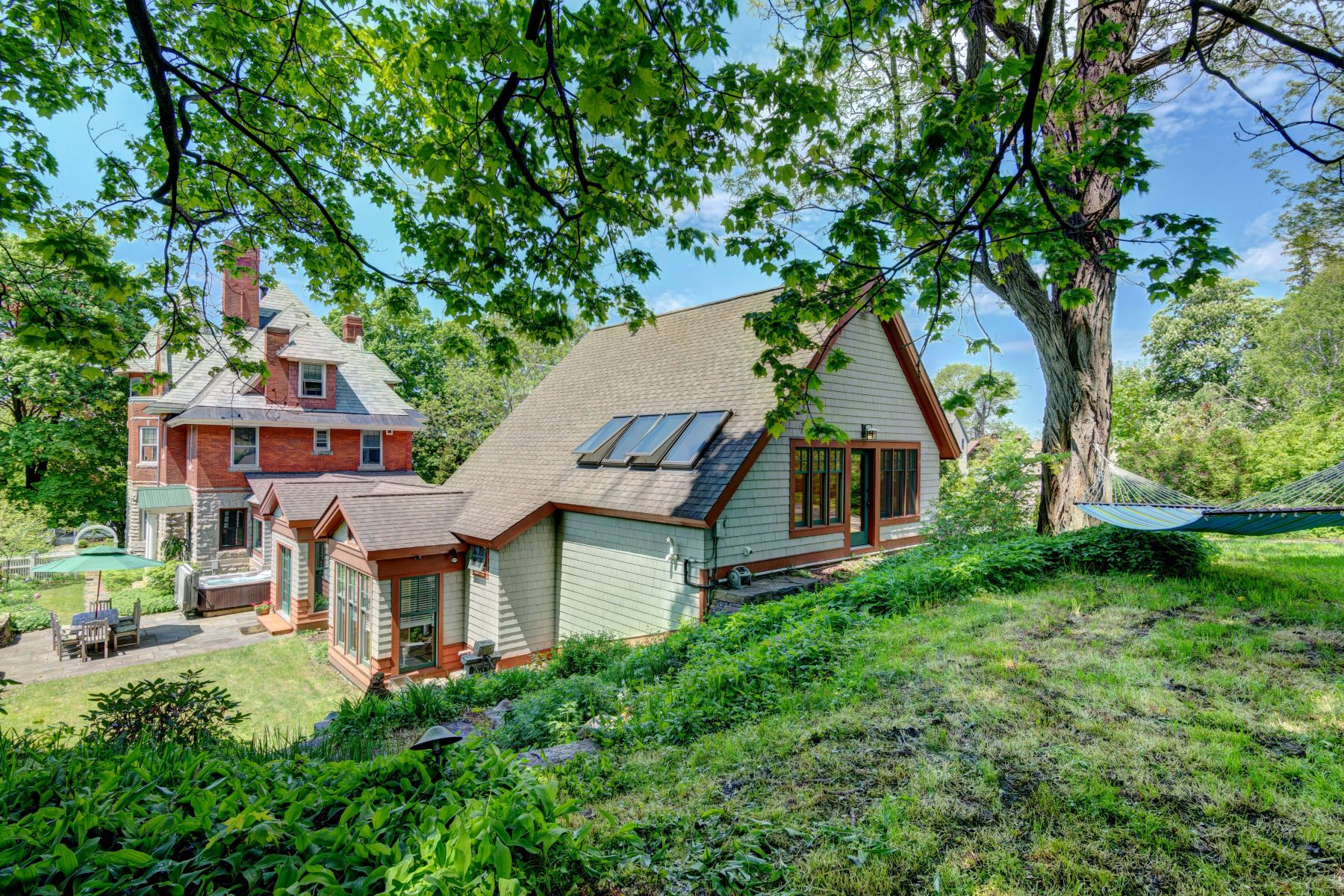 Single Family Homes for Sale at 266 South Union Street, Burlington 266 South Union St Burlington, Vermont 05401 United States