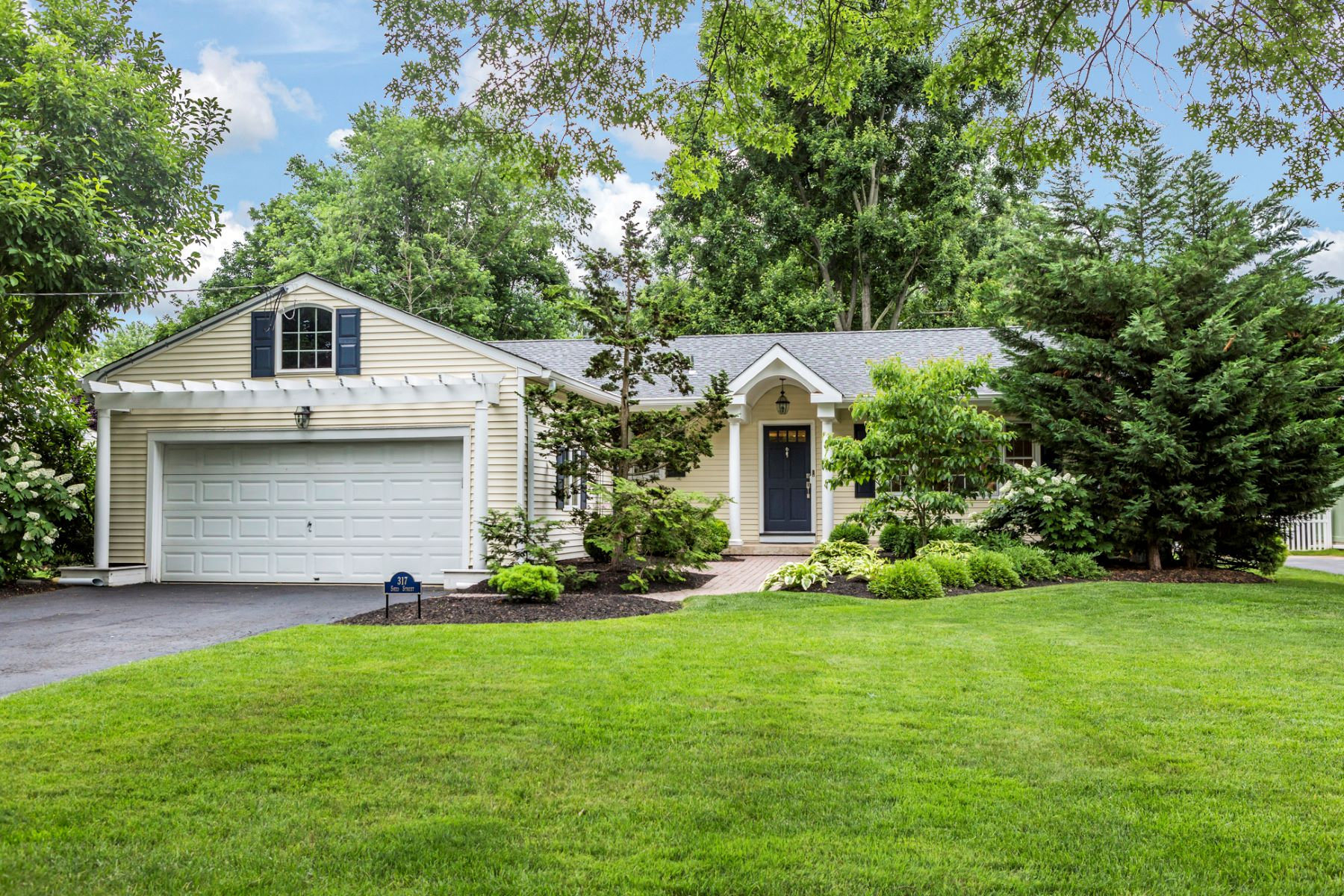 Single Family Home for Sale at Love At First Sight 317 Sked Street, Pennington, New Jersey 08534 United StatesMunicipality: Pennington Borough