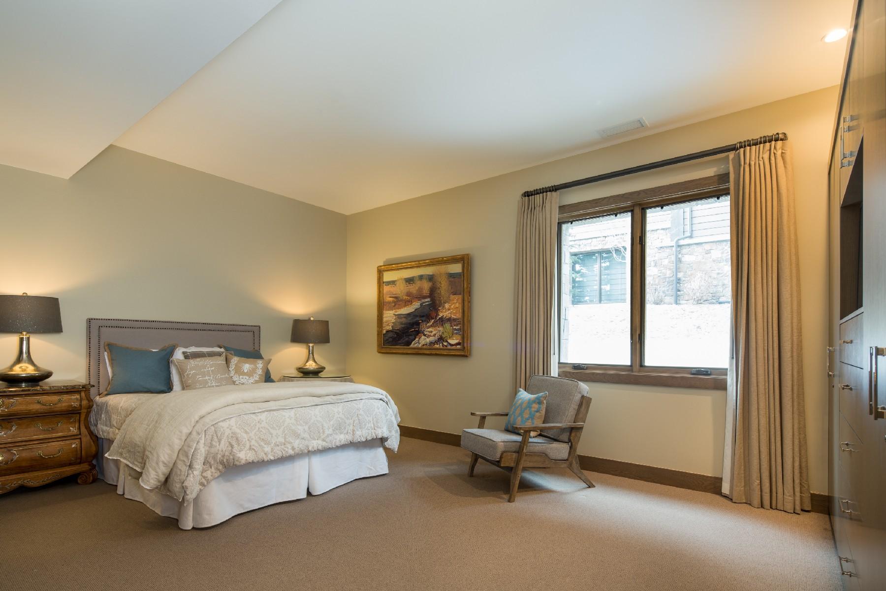 Additional photo for property listing at Prime Sun Valley Townhome 142 Clos Du Val Sun Valley, Idaho 83353 Estados Unidos