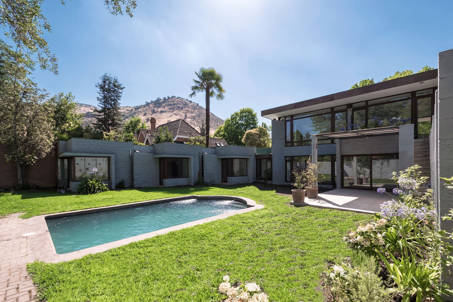 واحد منزل الأسرة للـ Rent في Contemporary- Newly Remodeled Lo Barnechea, Santiago, Region Metropolitana De Santiago Chile