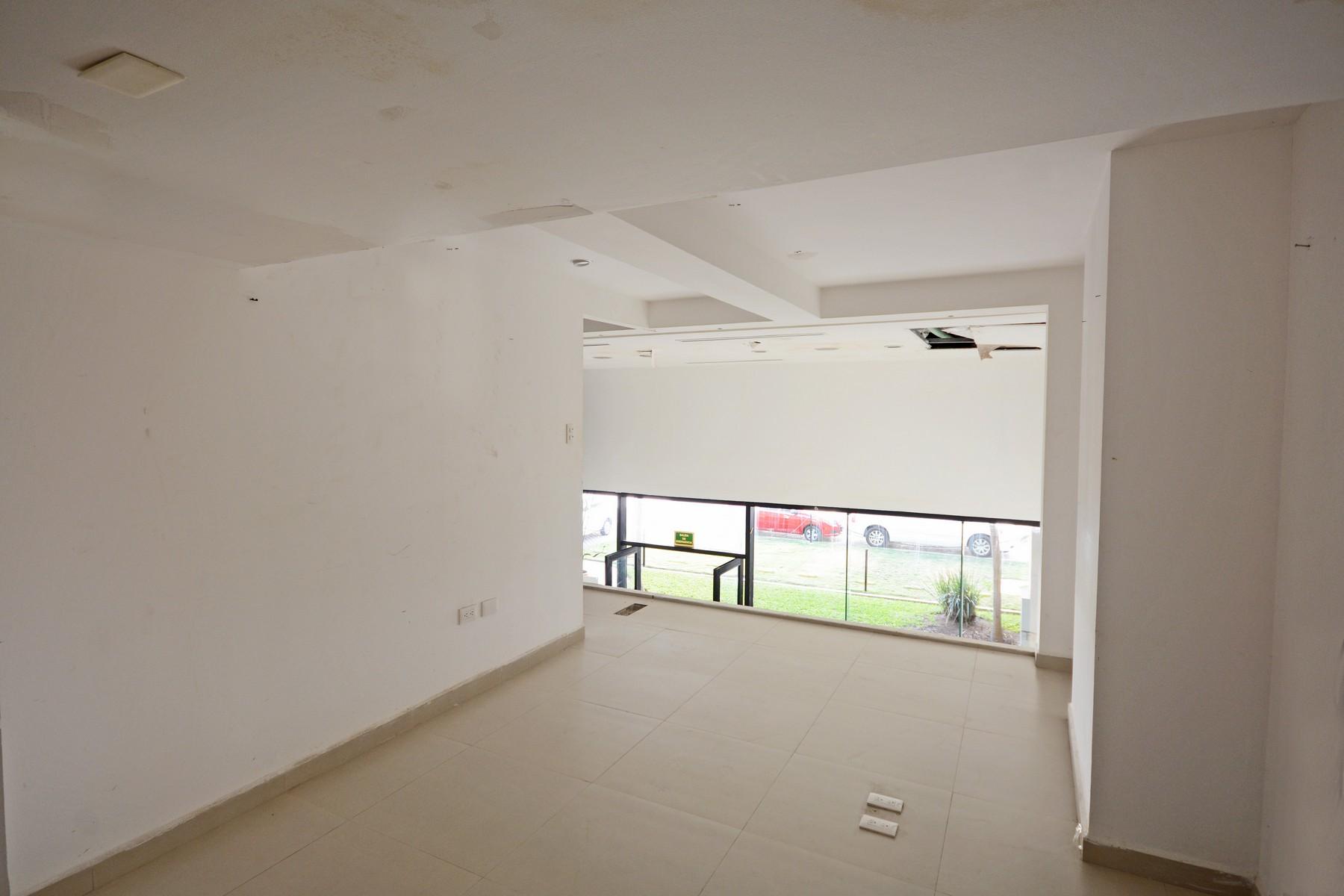 Additional photo for property listing at ALDEA THAI 23 COMMERCIAL SPACE Aldea Thai #23 Avenida Cozumel entre las Calles 26 y 28 Norte Playa Del Carmen, Quintana Roo 77710 Mexico