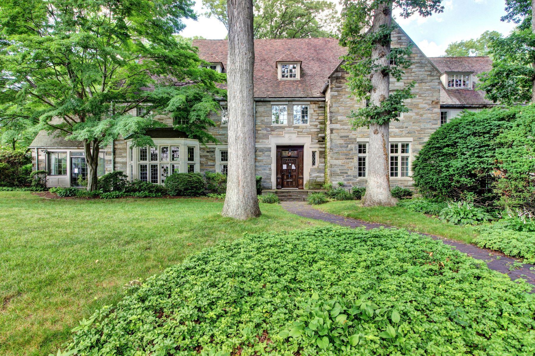 Maison unifamiliale pour l Vente à Iconic Pre War Estate 95 Wildwood Rd, Ridgewood, New Jersey 07450 États-Unis