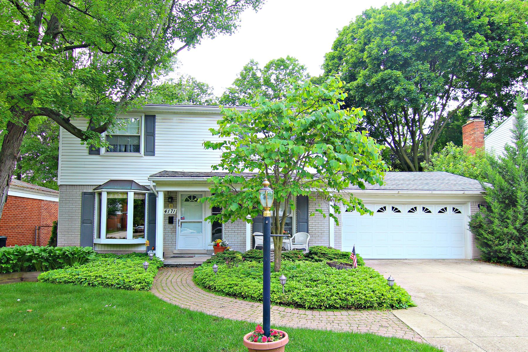 Single Family Homes for Sale at 14171 Ingram St. 14171 Ingram Street Livonia, Michigan 48154 United States