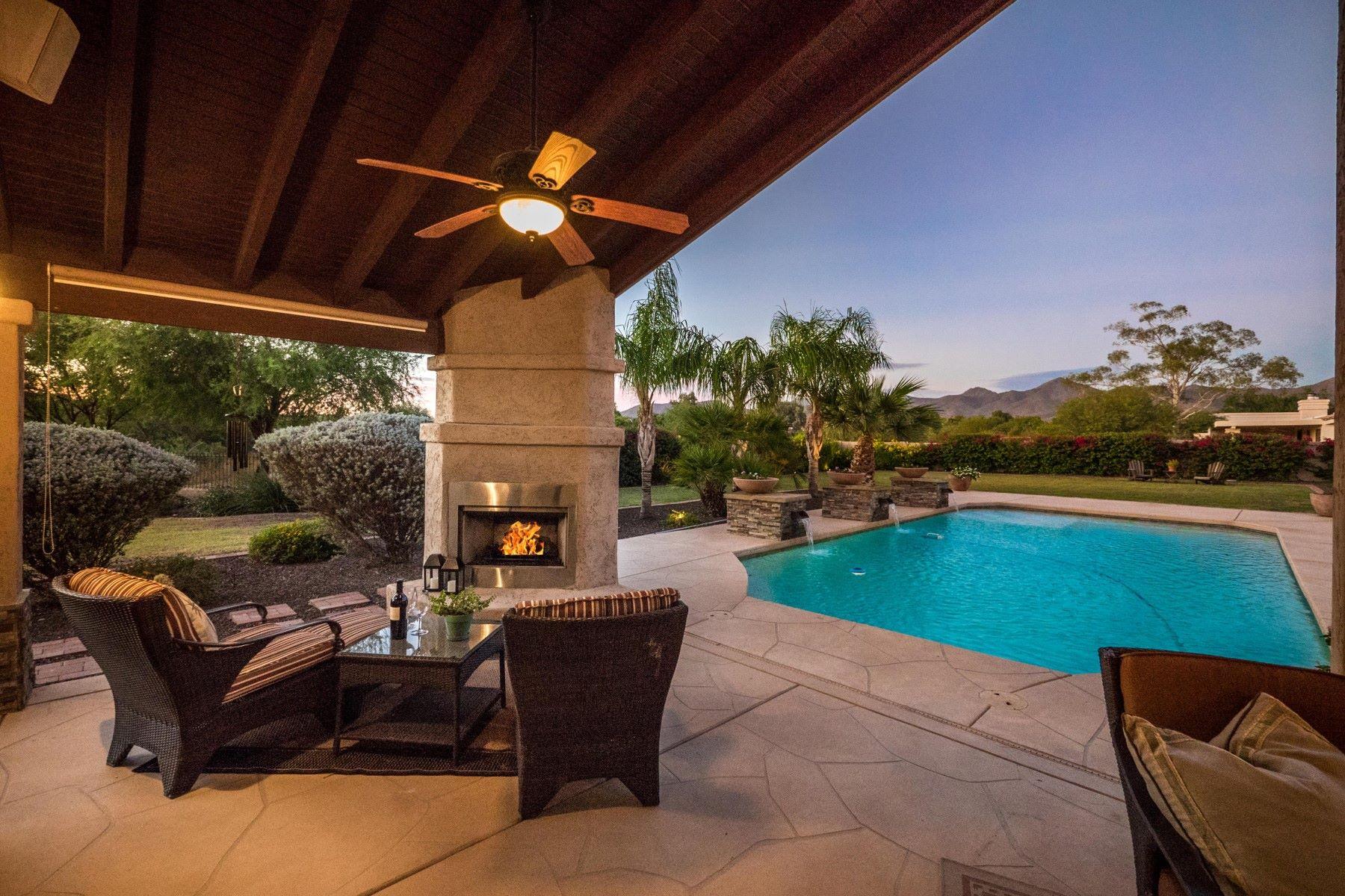 Частный односемейный дом для того Продажа на Spacious Scottsdale Home with Views & Acreage 12516 E Silver Spur St, Scottsdale, Аризона, 85259 Соединенные Штаты