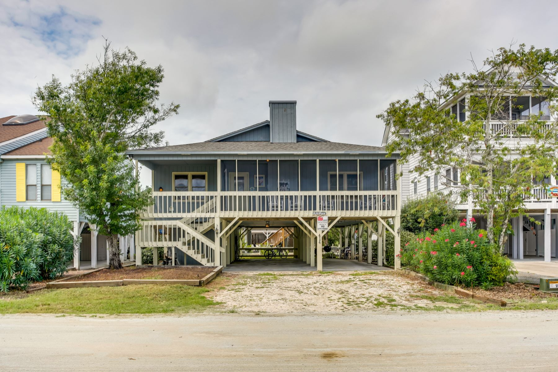 Single Family Homes for Active at Beautiful Sunset Beach Home 414 2nd Street Sunset Beach, North Carolina 28468 United States