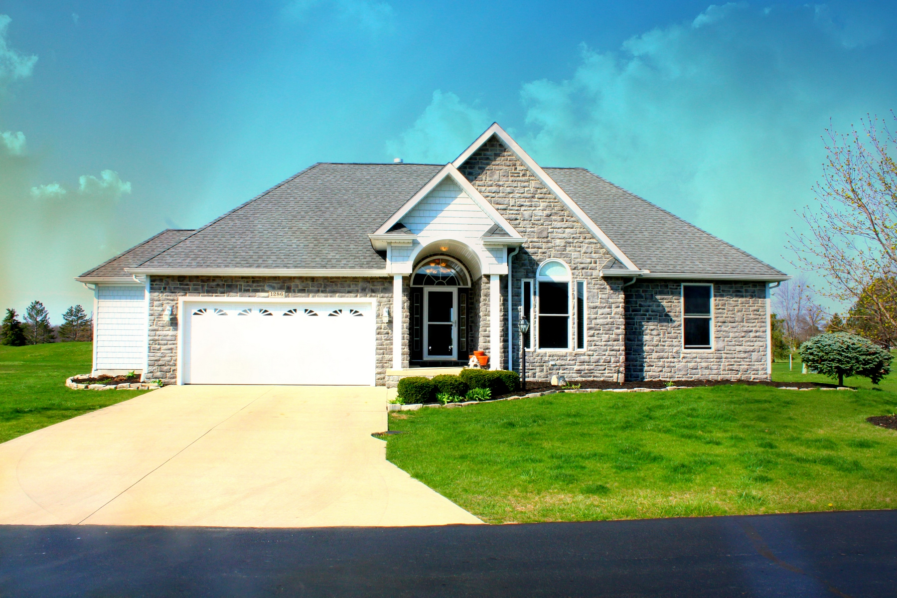 Single Family Home for Sale at 1286 S. Grandview Drive 1286 S. Grandview Road Oak Harbor, Ohio 43449 United States