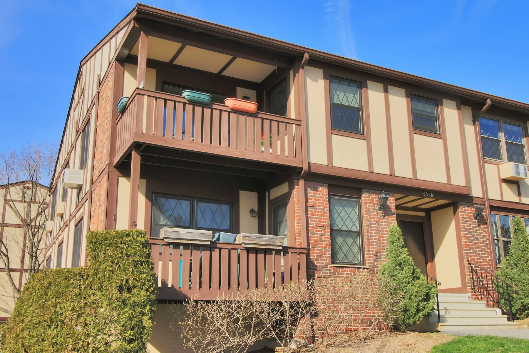 Condominium for Sale at Pristine Sierra Vista Condo 459 Sierra Vista Lane Valley Cottage, New York, 10989 United States