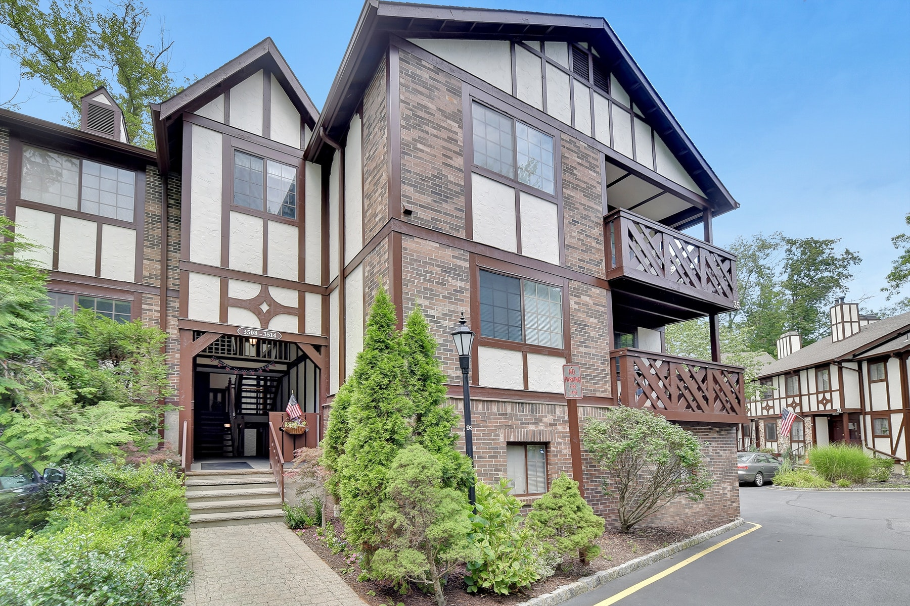 townhouses for Sale at RIDGE GARDENS END UNIT 3511 Whittier Ct Mahwah, New Jersey 07430 United States