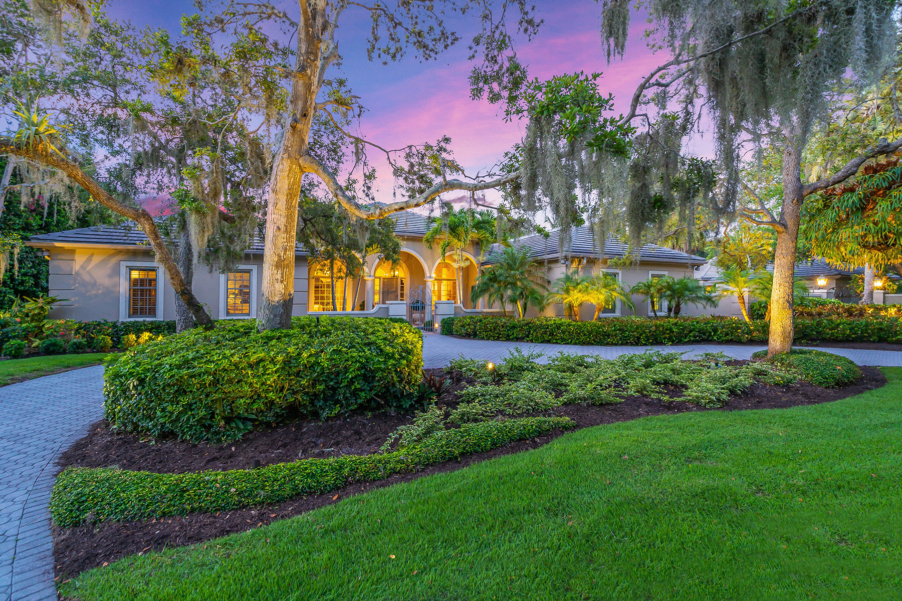 Single Family Homes for Sale at THE OAKS BAYSIDE 285 Sugar Mill Dr Osprey, Florida 34229 United States