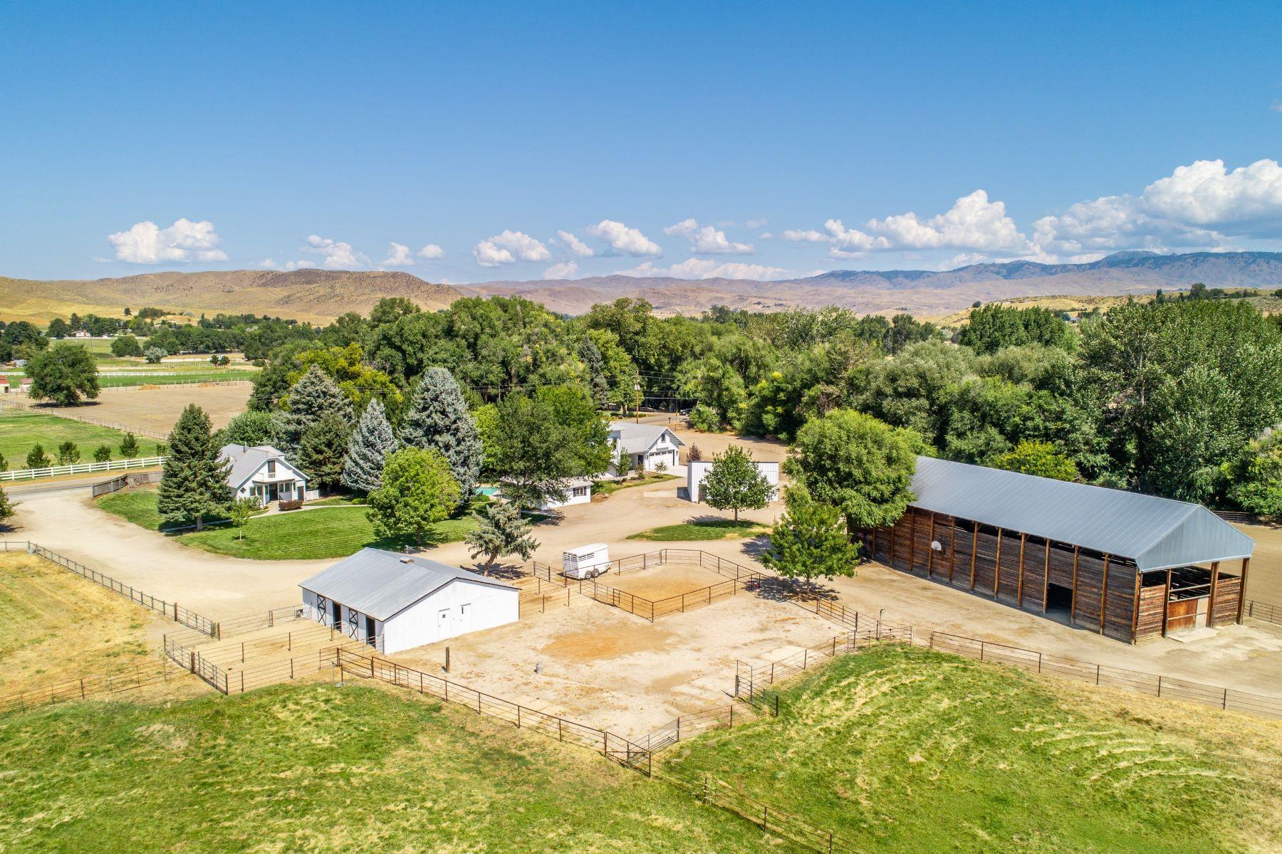 Granjas / Hacienda / Platanción por un Venta en 2427 Beacon Light Eagle, Idaho 83616 Estados Unidos