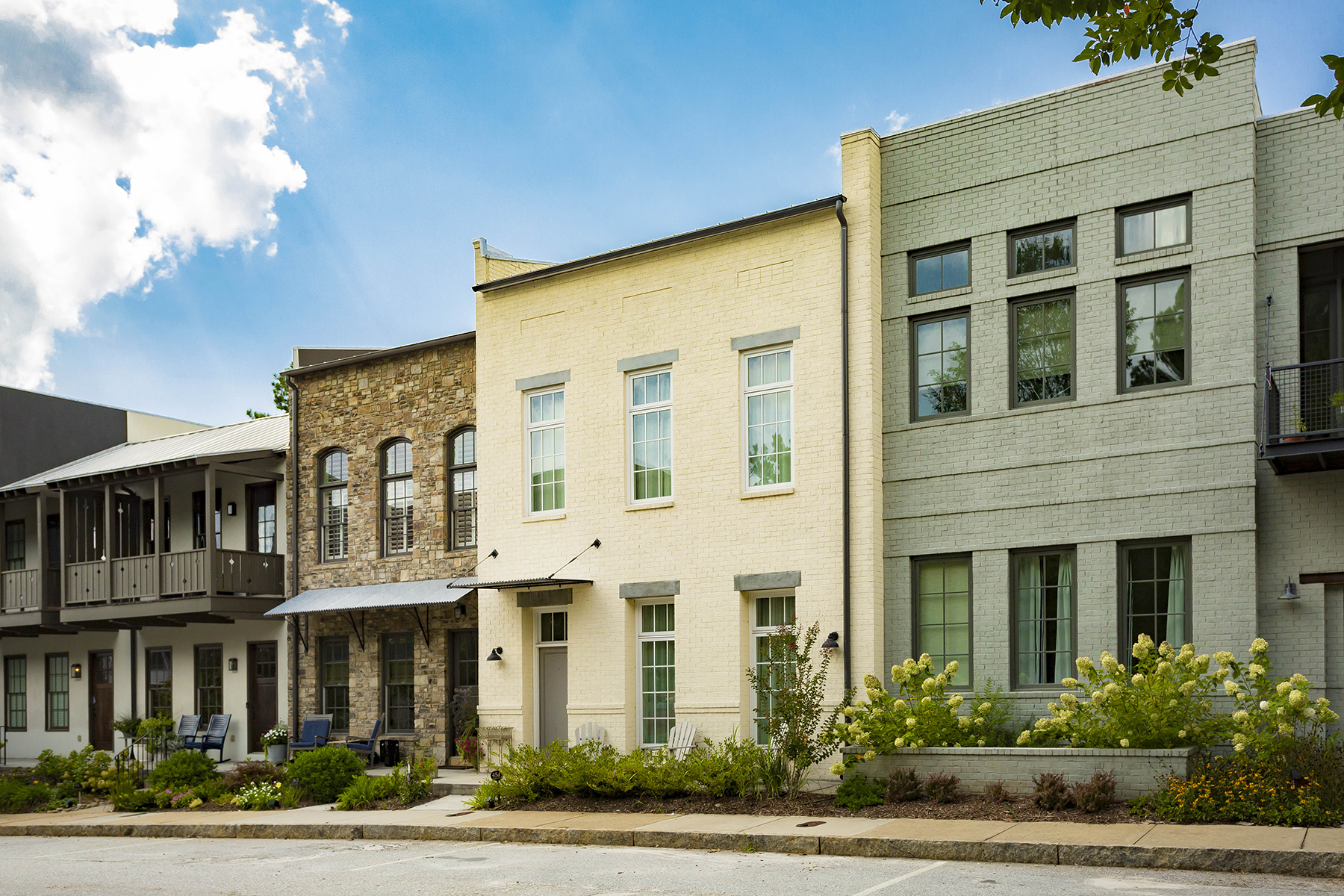 Single Family Homes 용 매매 에 Charming and Spacious Townhome with Garage Parking in Serenbe 454 Selborne Way, Chattahoochee Hills, 조지아 30268 미국