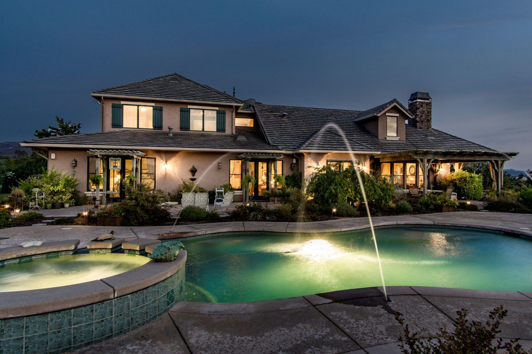 独户住宅 为 销售 在 Extraordinary Resort-like Country French Estate with breathtaking lake views 2011 Chateau Montelana Drive El Dorado Hills, 加利福尼亚州 95762 美国