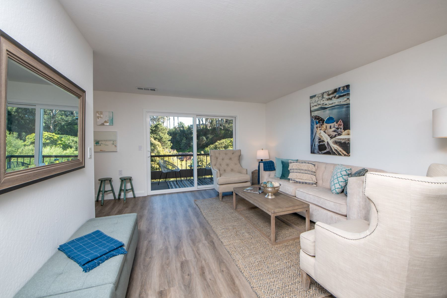 Single Family Homes for Active at Beautifully Updated and Spacious 31 Anchorage Rd Sausalito, California 94965 United States