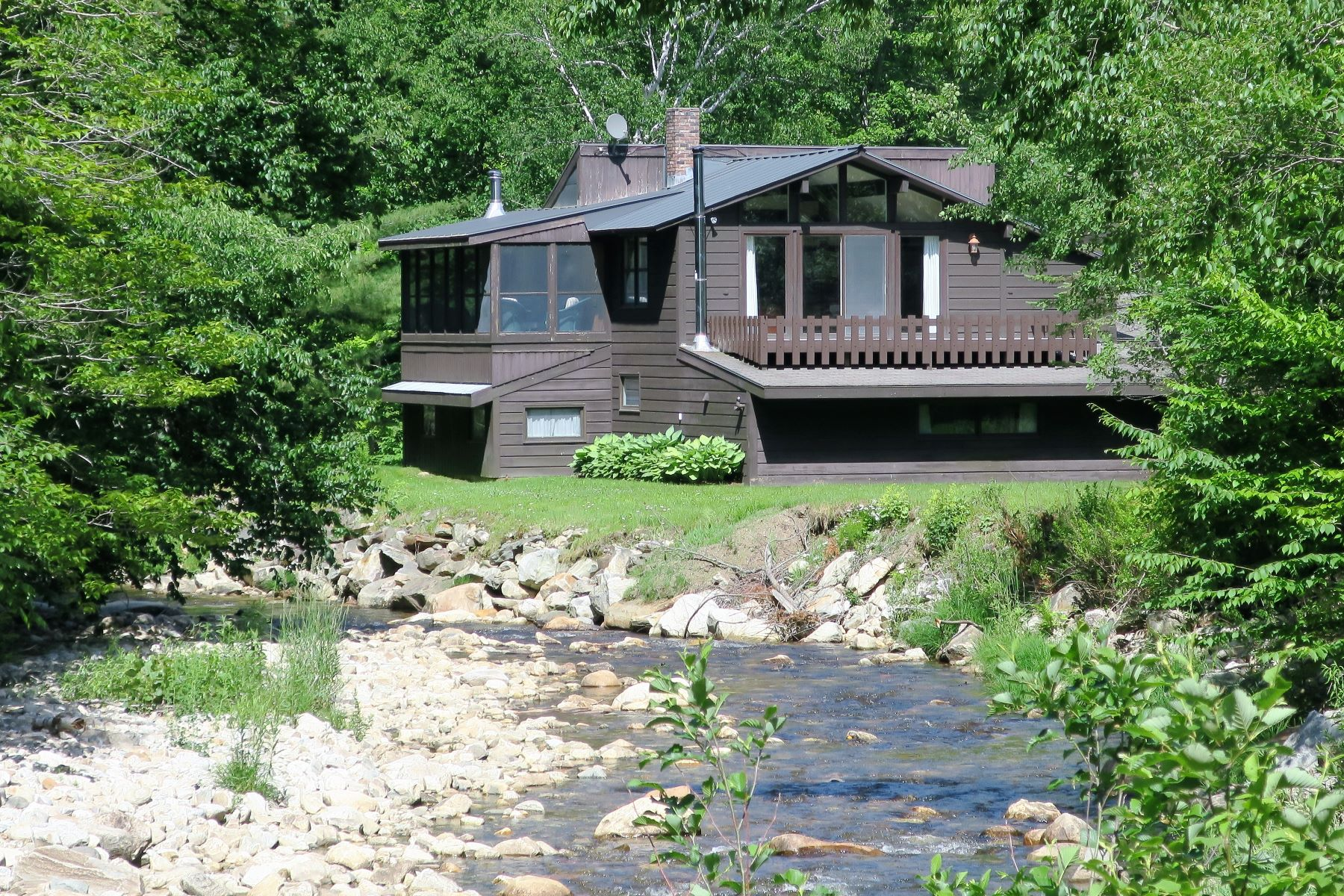 Single Family Homes for Sale at 5030 Pikes Falls Road, Jamaica 5030 Pikes Falls Rd Jamaica, Vermont 05343 United States