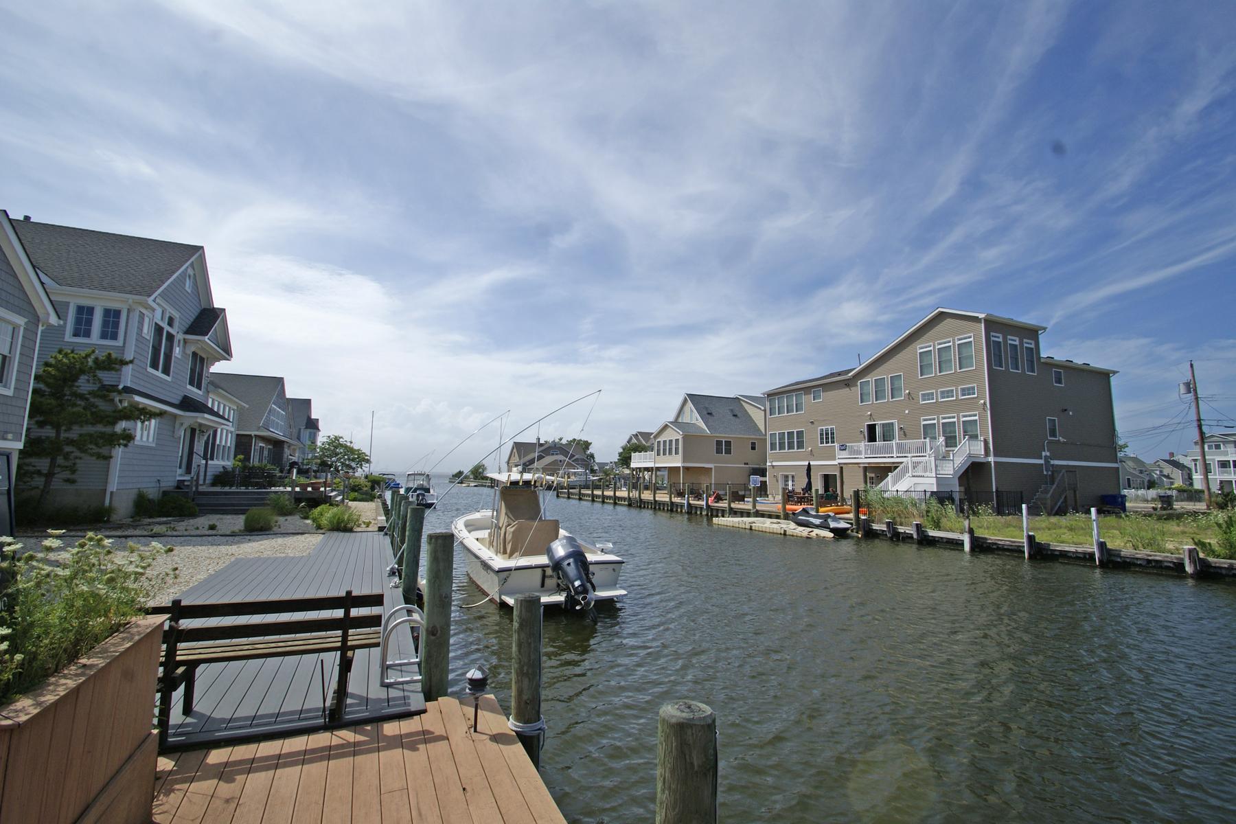 Land für Verkauf beim Nice Waterfront Lot Located On Wide Lagoon 218 South Court, Normandy Beach, New Jersey 08739 Vereinigte Staaten