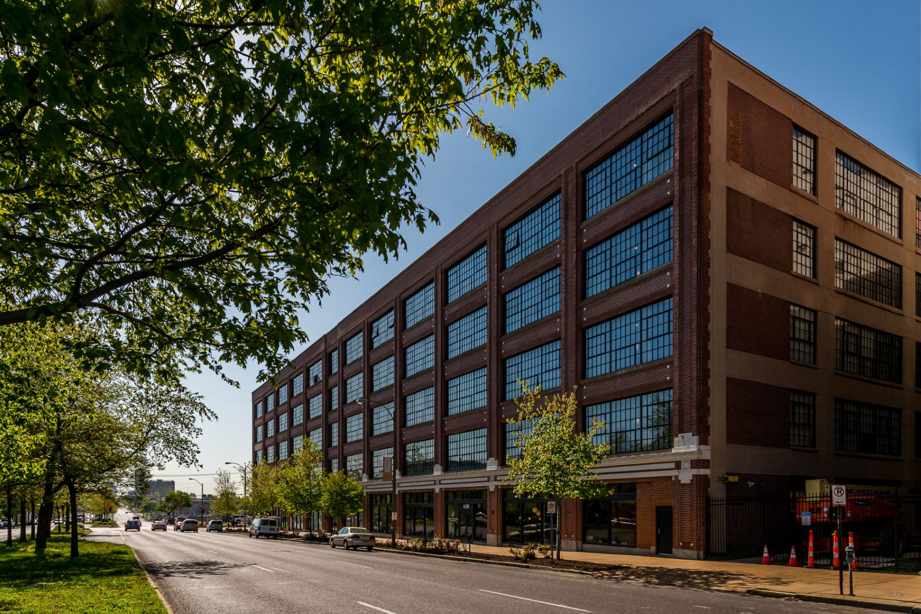 Condominiums for Rent at West End Lofts 4100 Forest Park Avenue Unit 511 St. Louis, Missouri 63108 United States