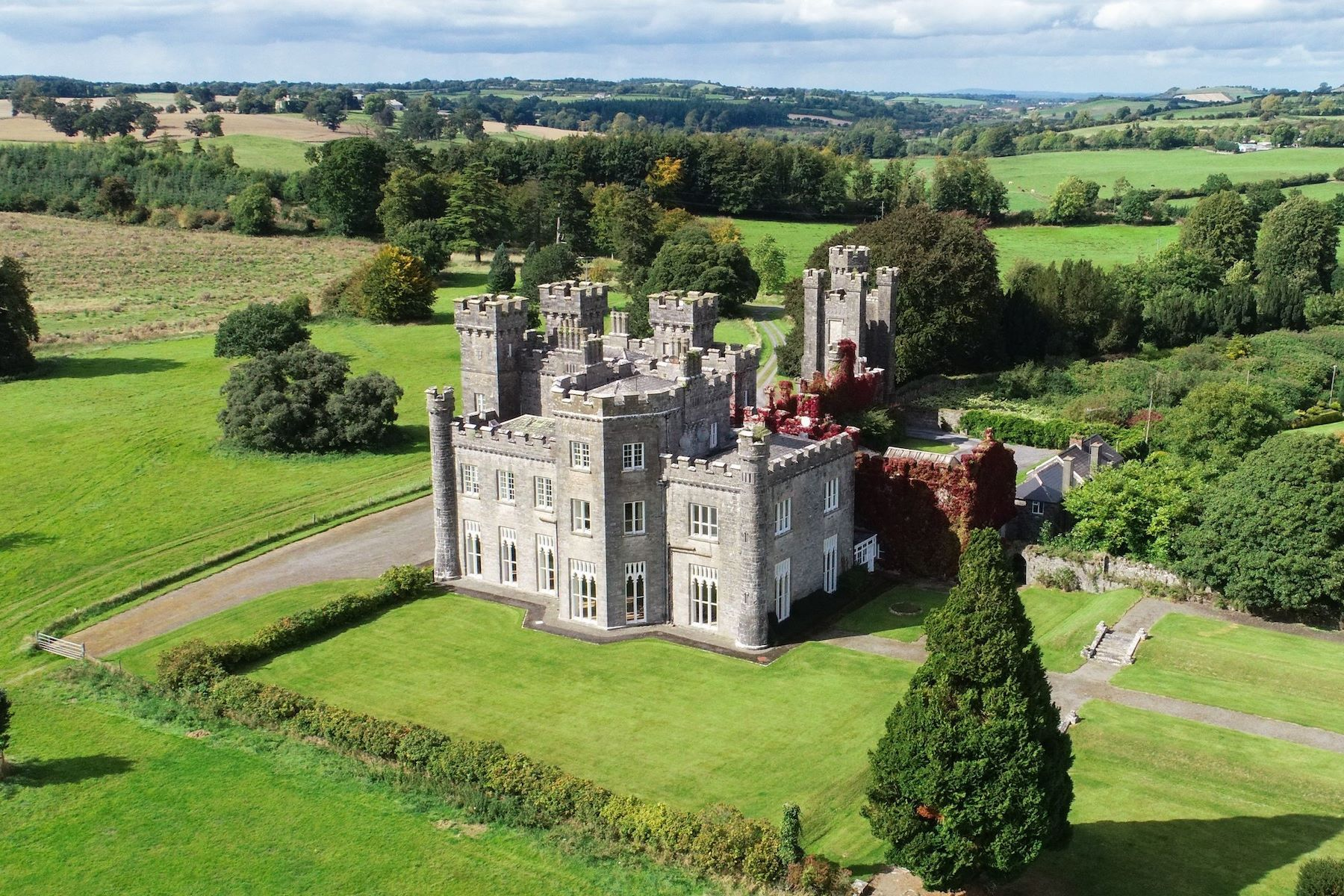 Single Family Home for Active at KNOCKDRIN CASTLE Mullingar, Leinster Ireland