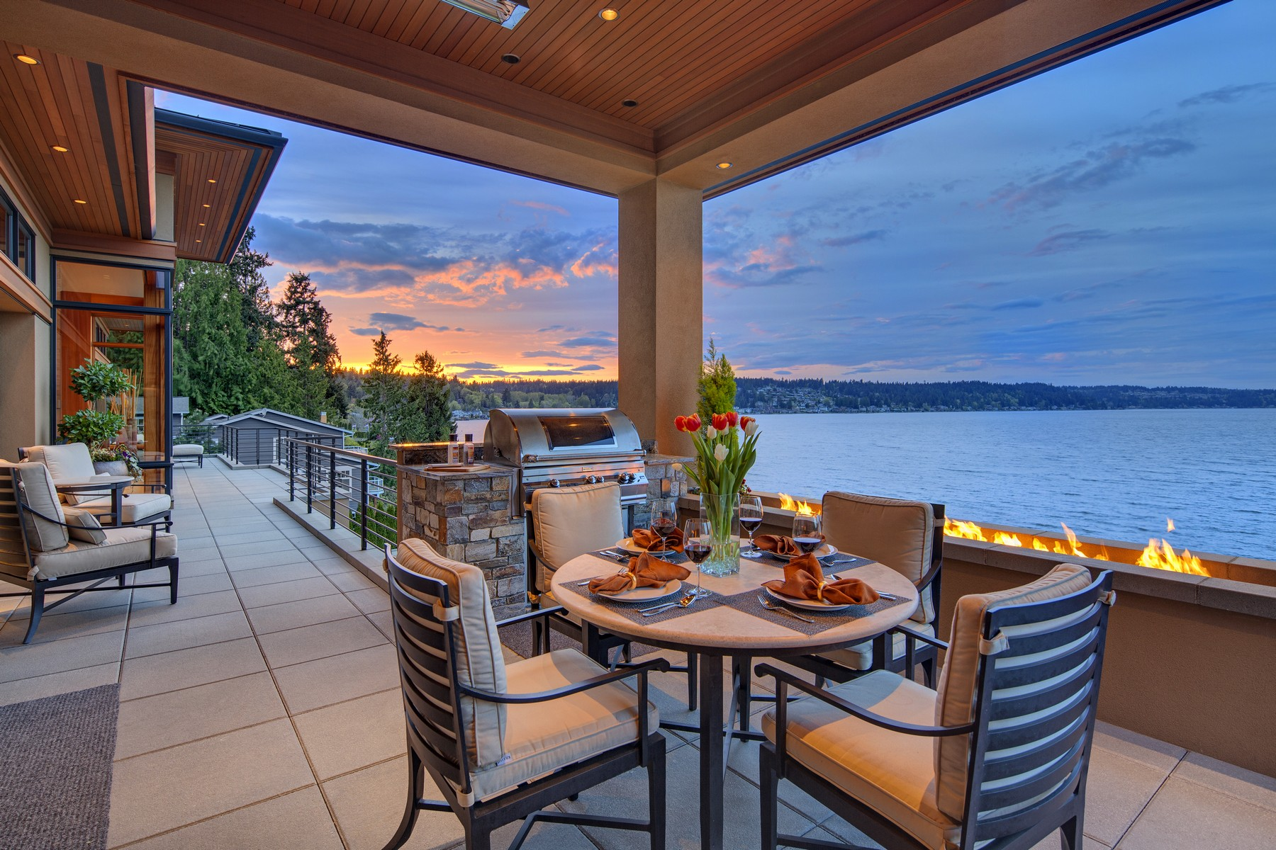 Additional photo for property listing at Lake Sammamish Estate 18110 SE 41st Lane Bellevue, Вашингтон 98008 Соединенные Штаты