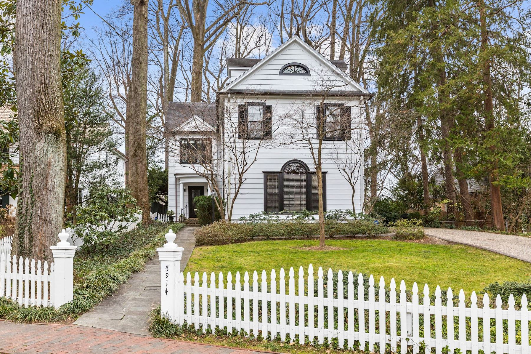 Single Family Home for Sale at 5914 Cedar Parkway 5914 Cedar Pkwy Chevy Chase, Maryland 20815 United States