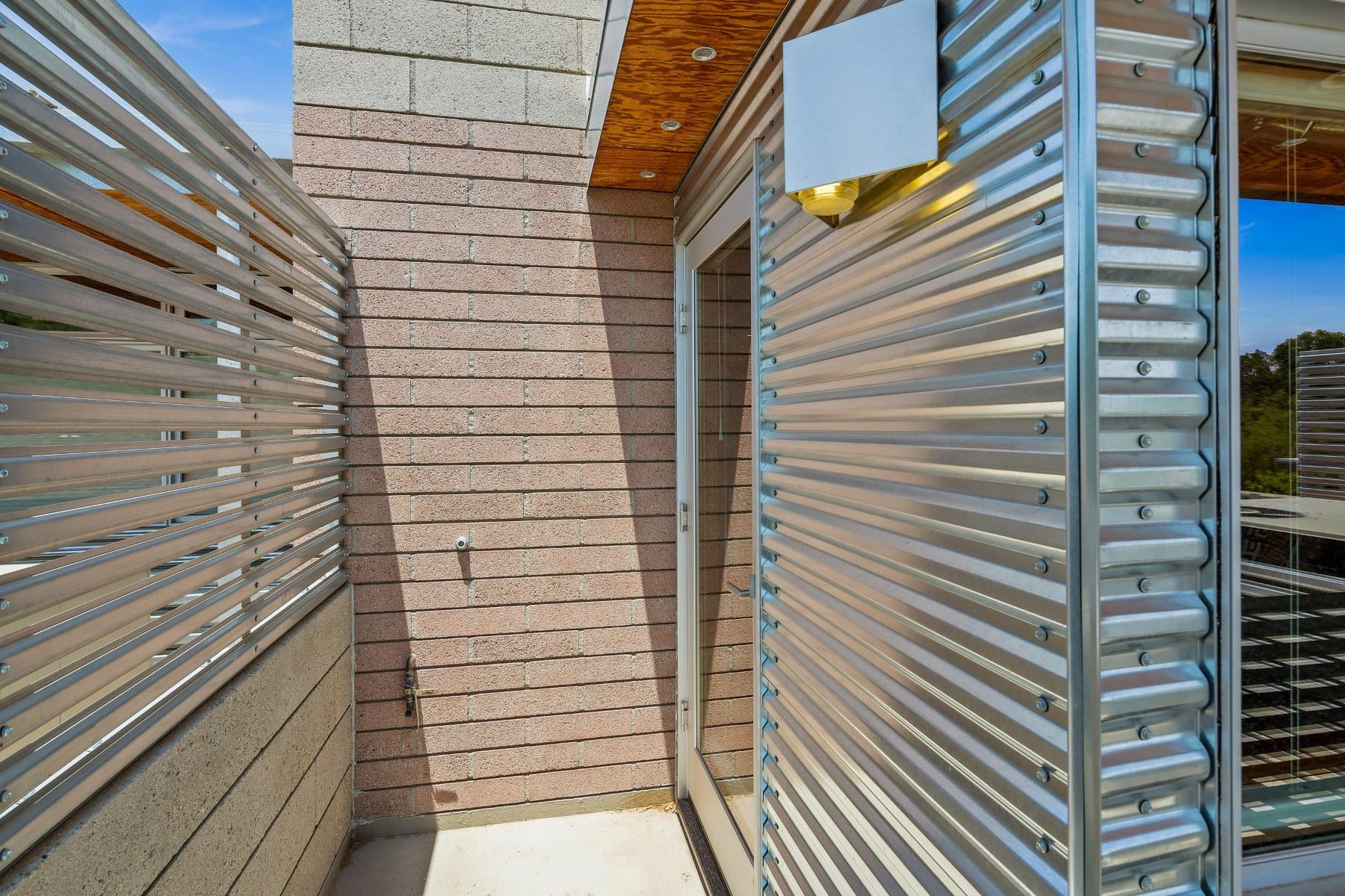 Additional photo for property listing at Sienna Court Lofts 930 S Ash Ave Tempe, Arizona 85281 United States